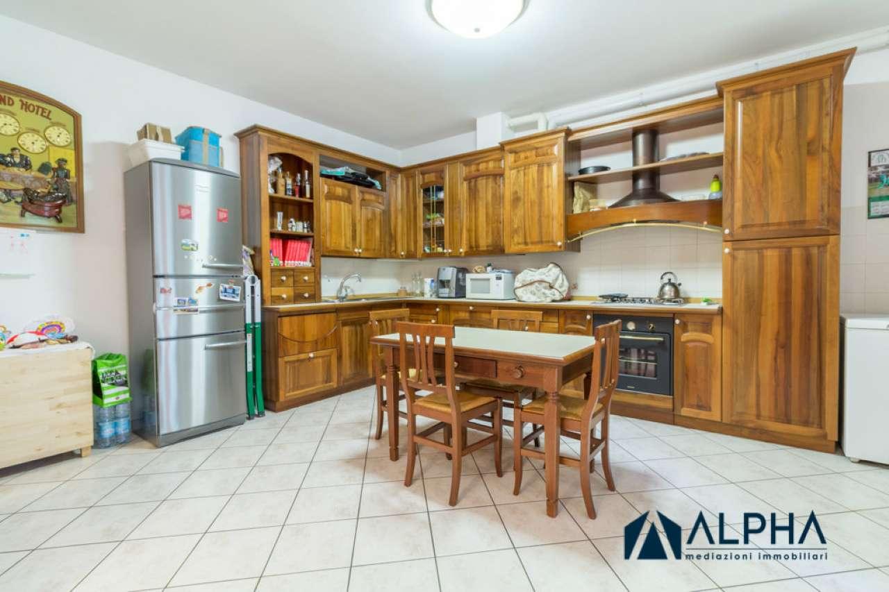 Appartamento ristrutturato parzialmente arredato in vendita Rif. 8427807