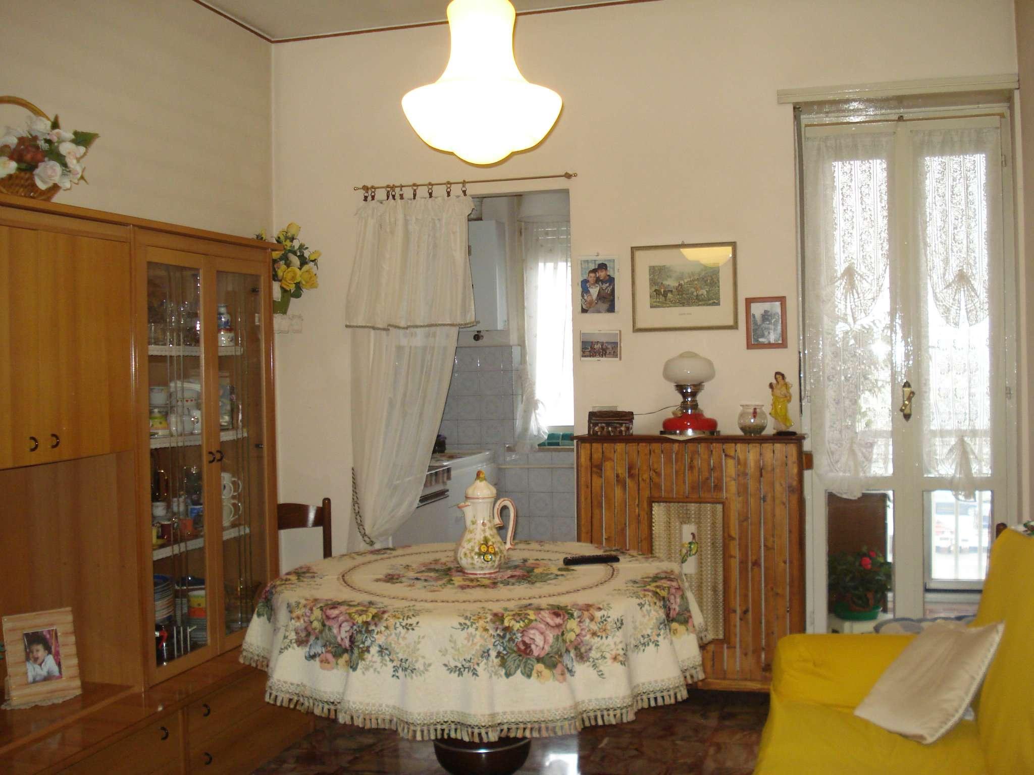 Appartamento in vendita a Beinasco, 2 locali, prezzo € 70.000 | CambioCasa.it