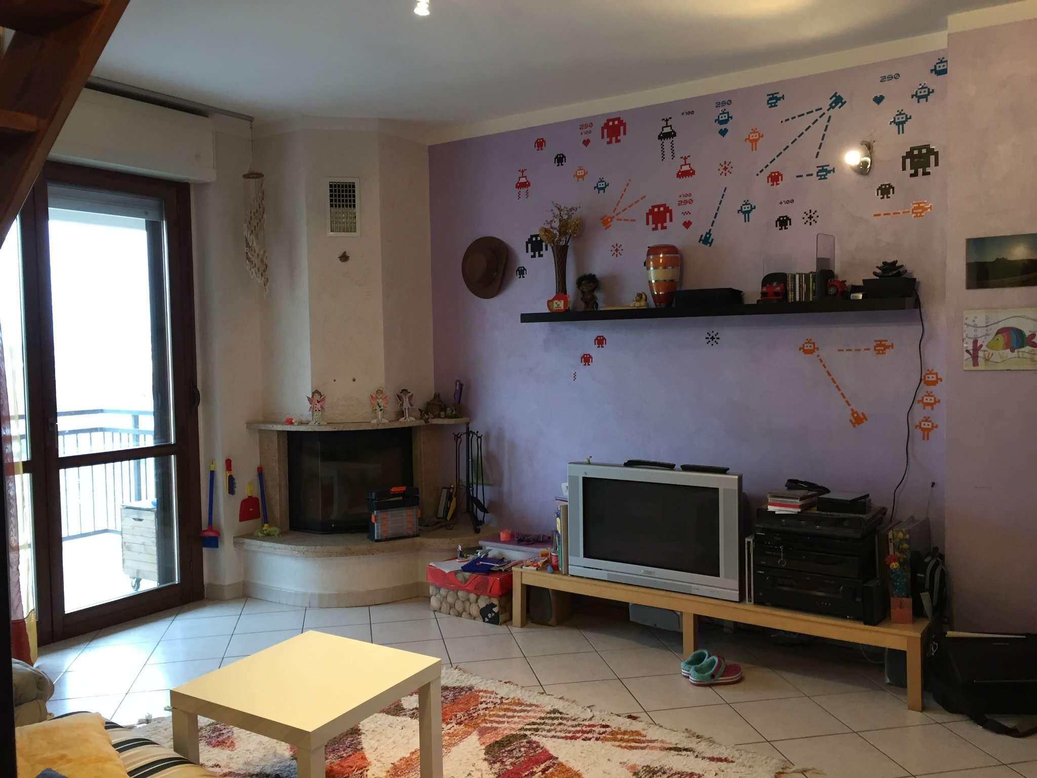Appartamento in vendita a Beinasco, 6 locali, prezzo € 275.000 | CambioCasa.it