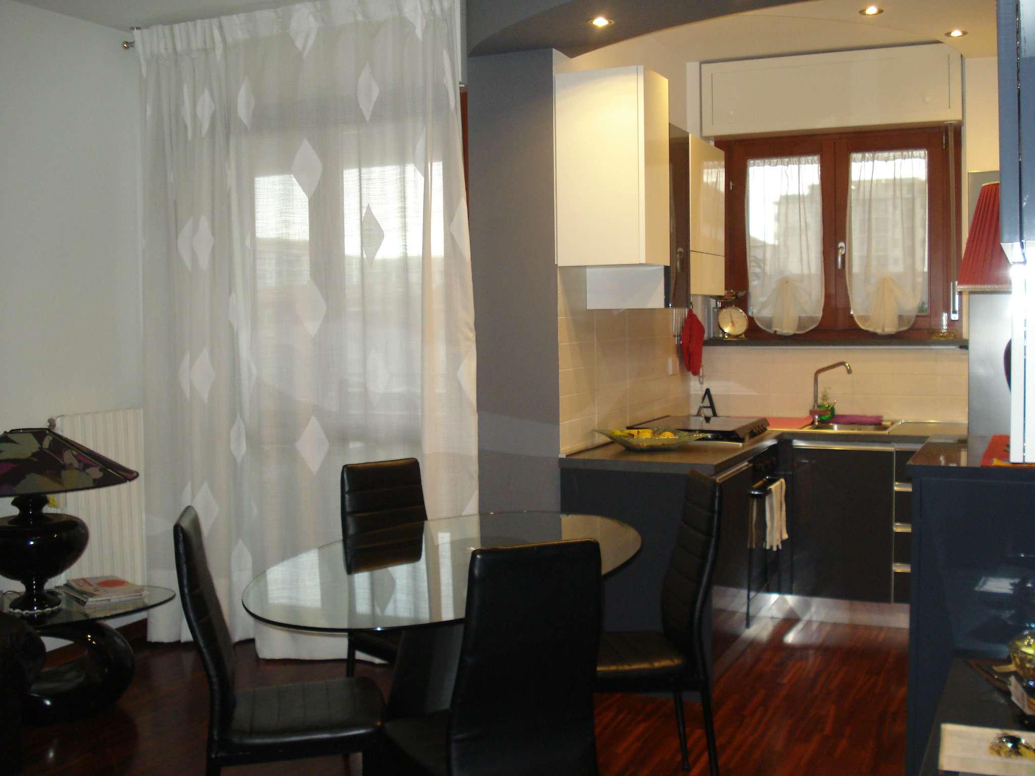 Appartamento in vendita a Beinasco, 5 locali, prezzo € 275.000 | CambioCasa.it
