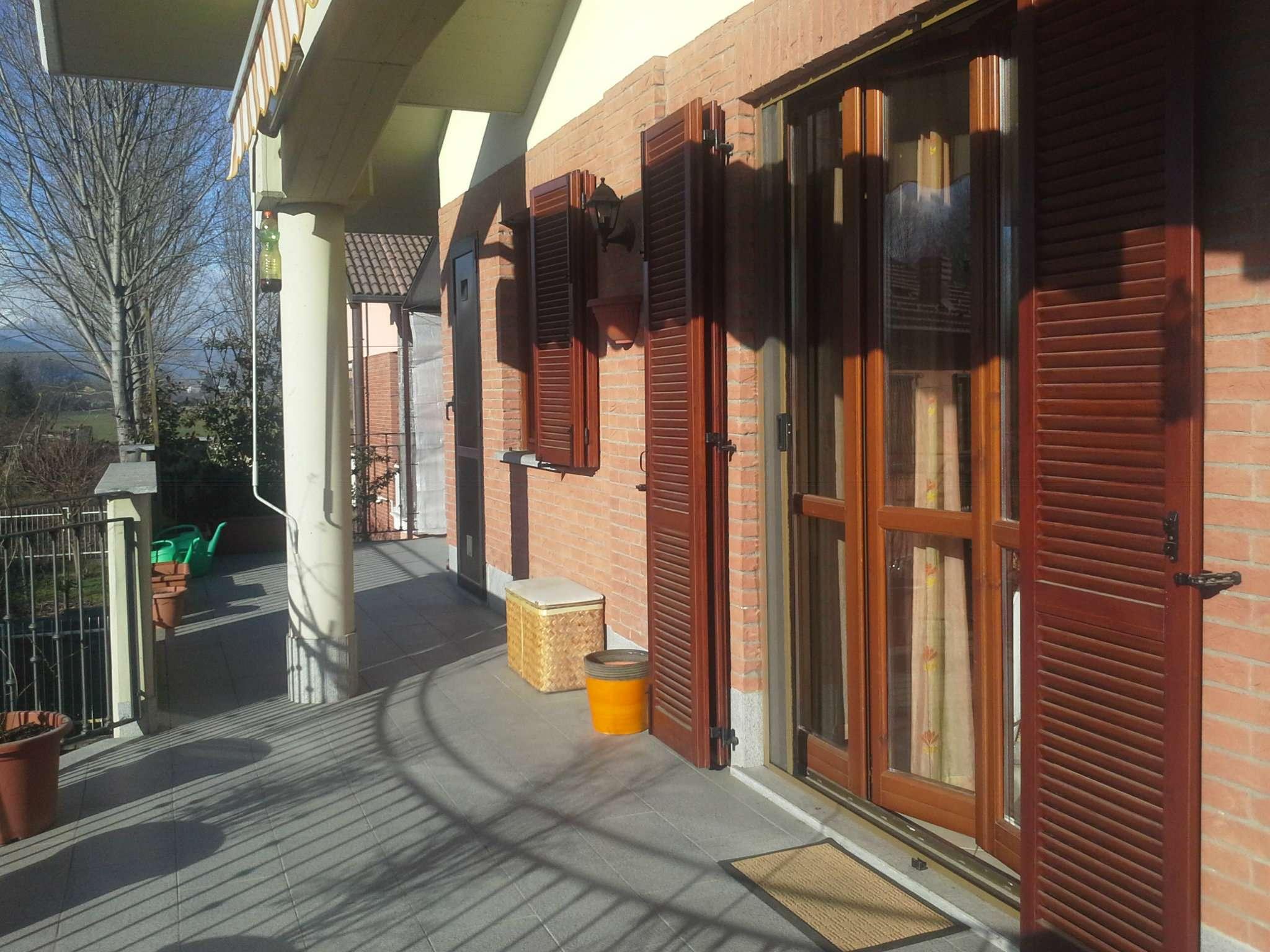 Appartamento in buone condizioni in vendita Rif. 6843180