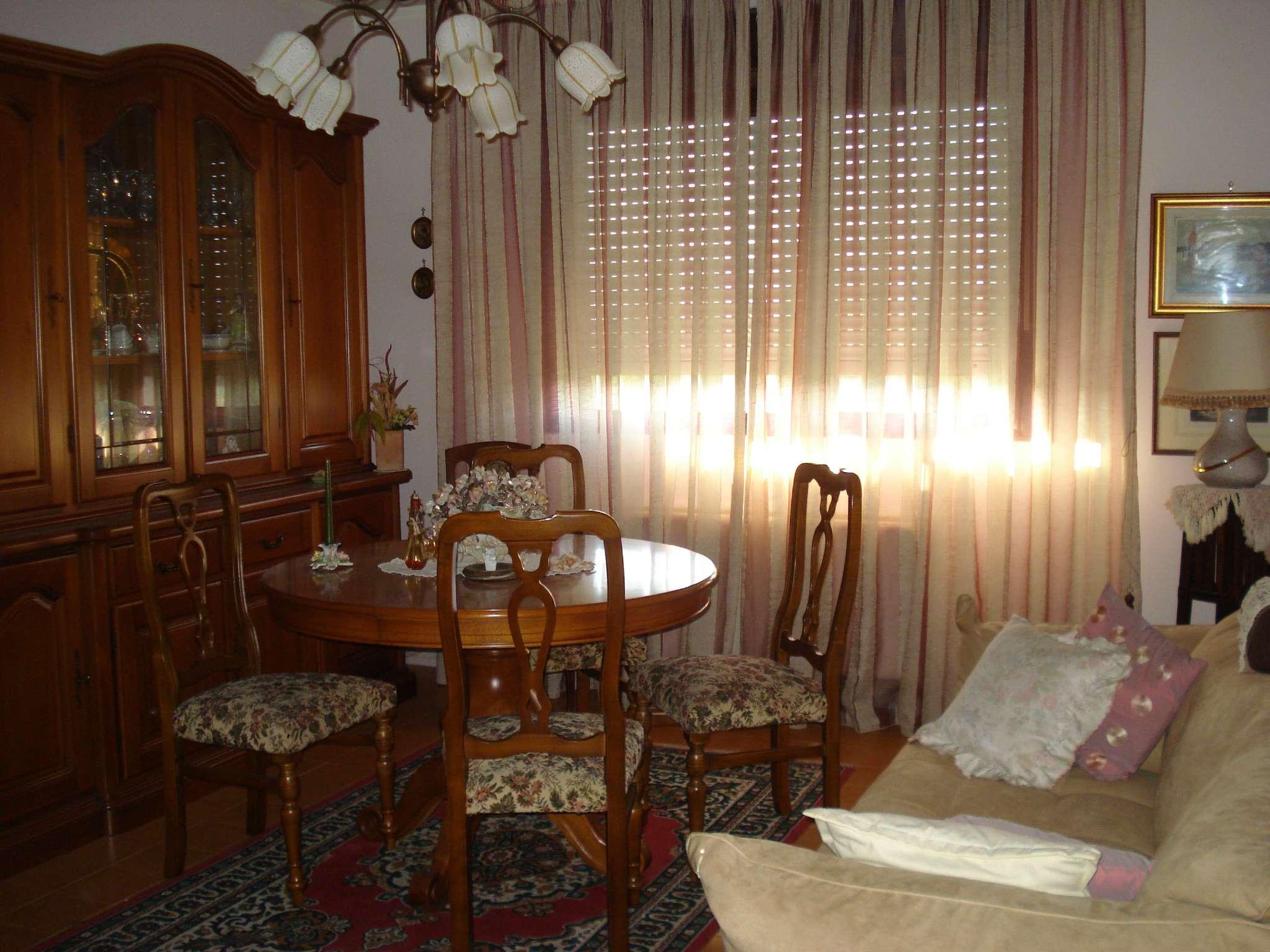 Appartamento in vendita a Beinasco, 3 locali, prezzo € 88.000 | CambioCasa.it