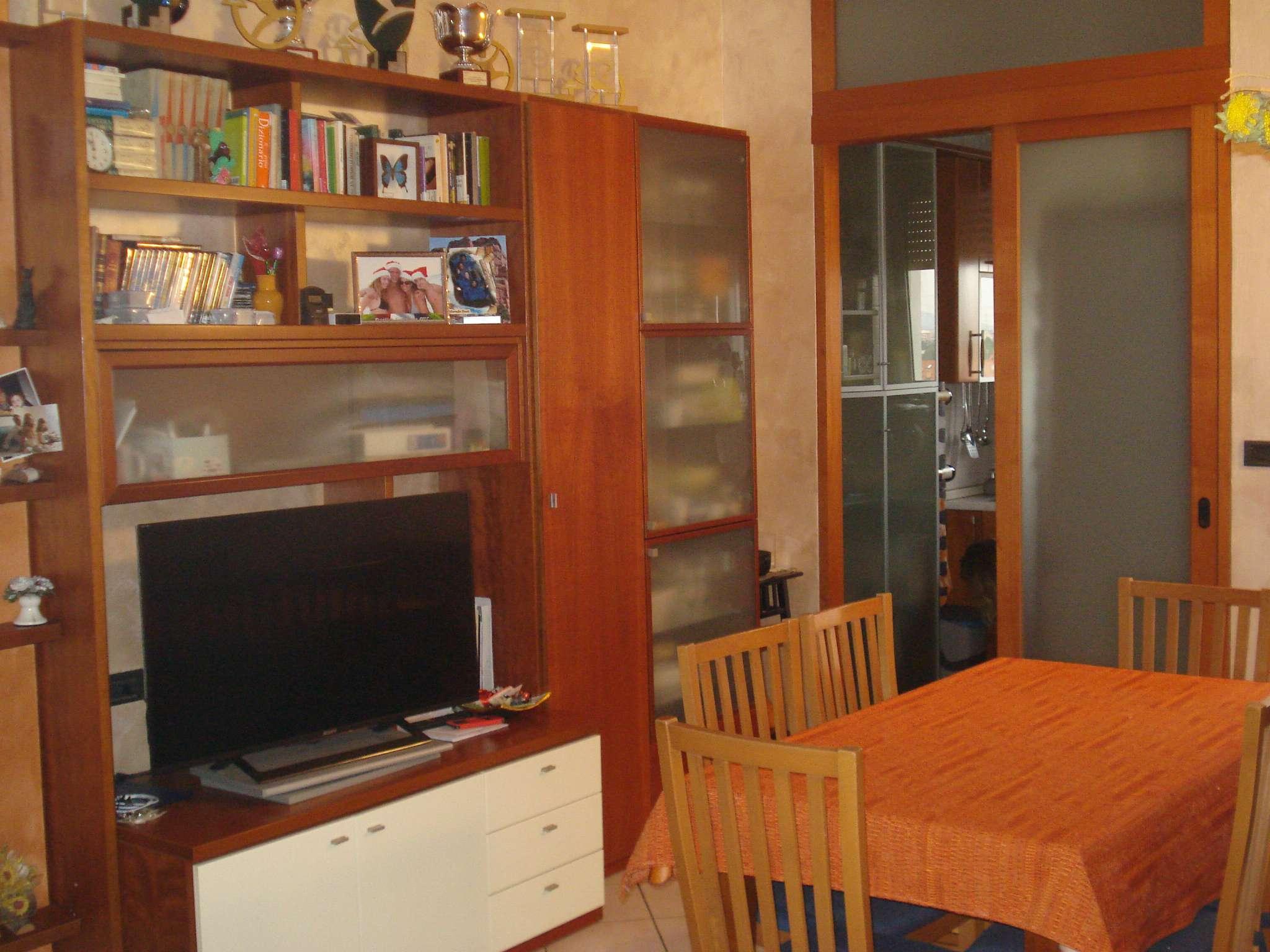 Appartamento in vendita a Beinasco, 3 locali, prezzo € 139.000 | CambioCasa.it