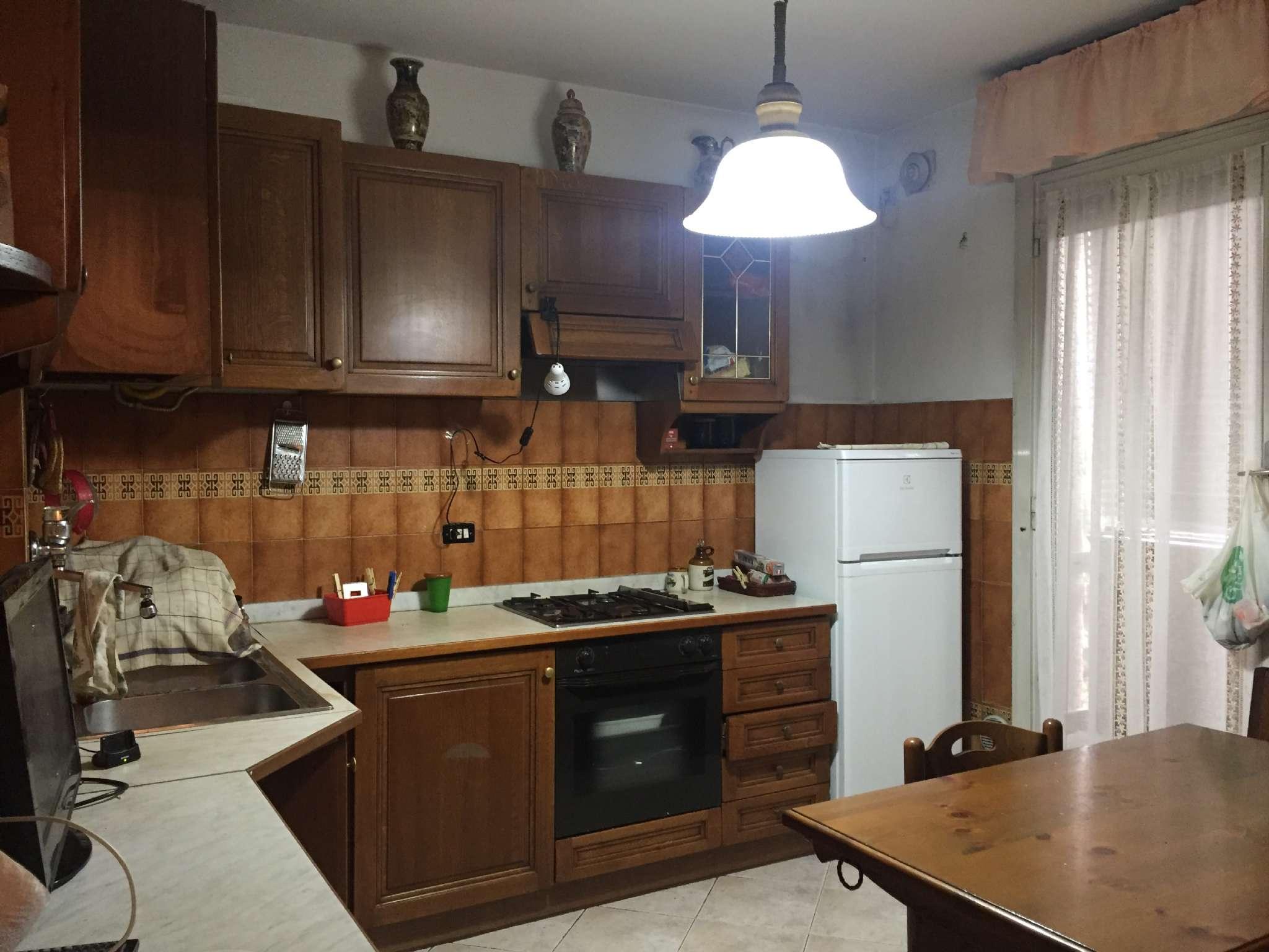 Appartamento in vendita a Beinasco, 4 locali, prezzo € 109.000 | CambioCasa.it