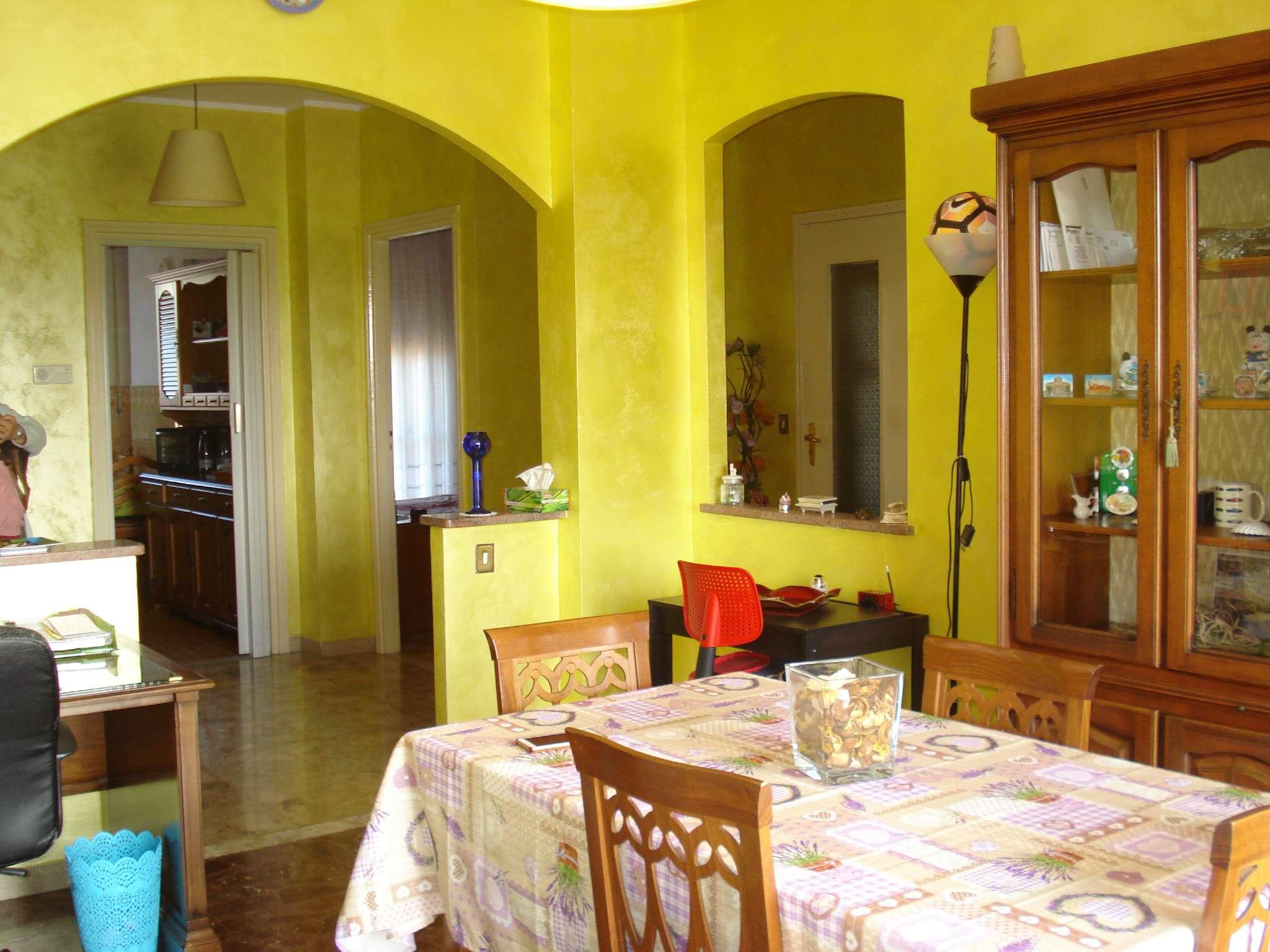 Appartamento in affitto a Beinasco, 3 locali, prezzo € 400 | PortaleAgenzieImmobiliari.it
