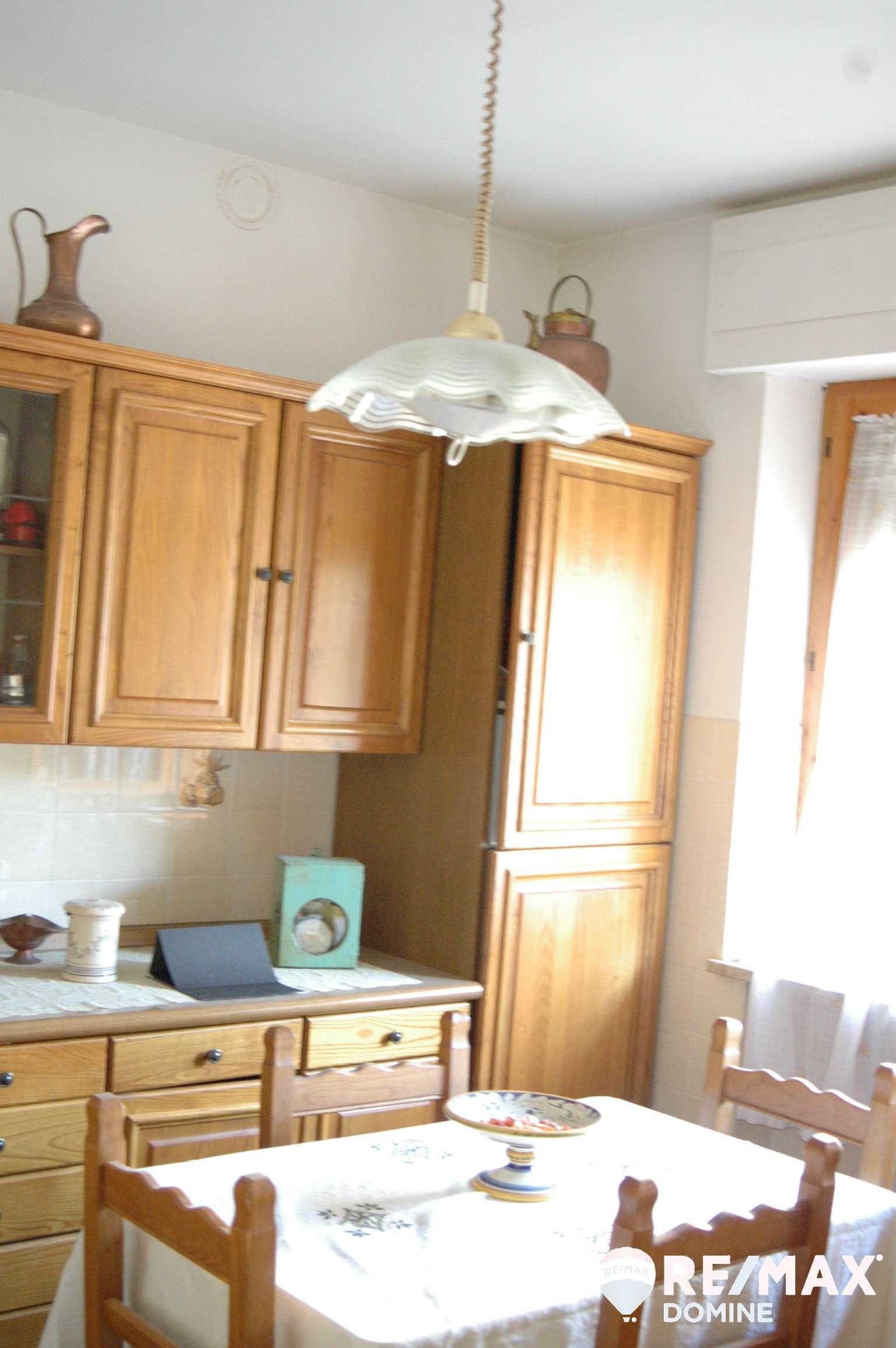 Villetta a schiera in buone condizioni in vendita Rif. 8819005