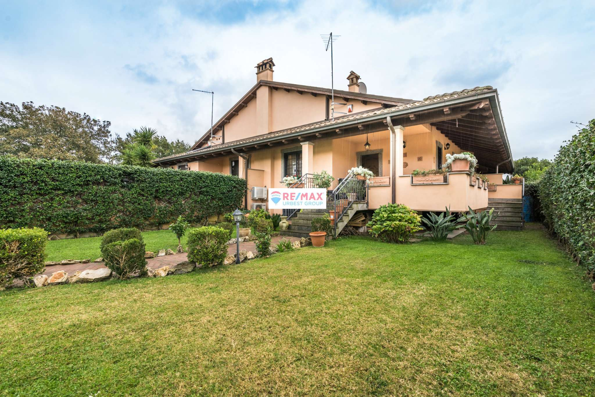 Villetta a schiera in ottime condizioni in vendita Rif. 8939239