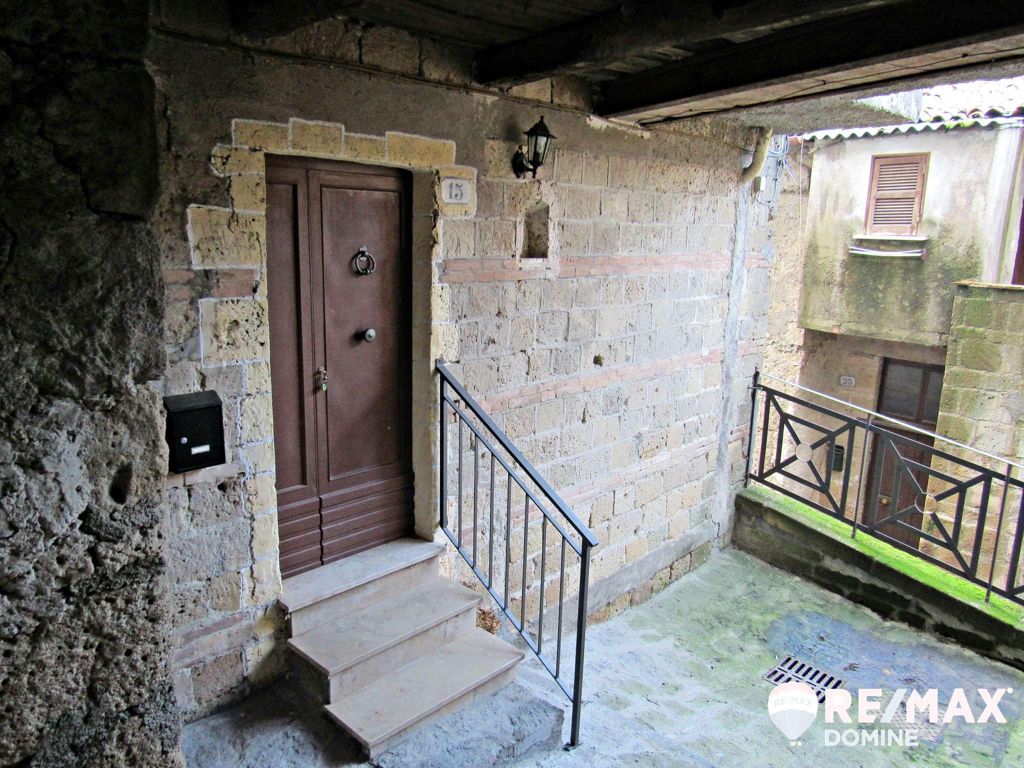Appartamento in buone condizioni arredato in vendita Rif. 9291897