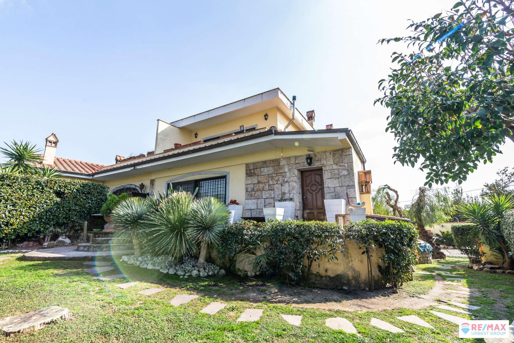 Villa Bifamiliare in vendita a Roma, 7 locali, zona Zona: 38 . Acilia, Vitinia, Infernetto, Axa, Casal Palocco, Madonnetta, prezzo € 398.000 | CambioCasa.it
