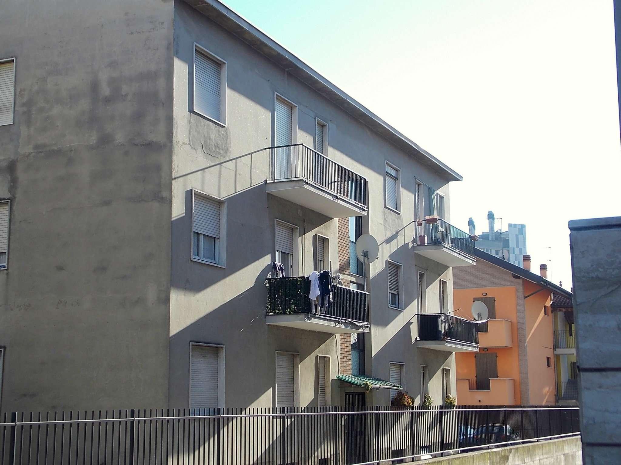 Stabile / Palazzo in condizioni mediocri in vendita Rif. 8913015