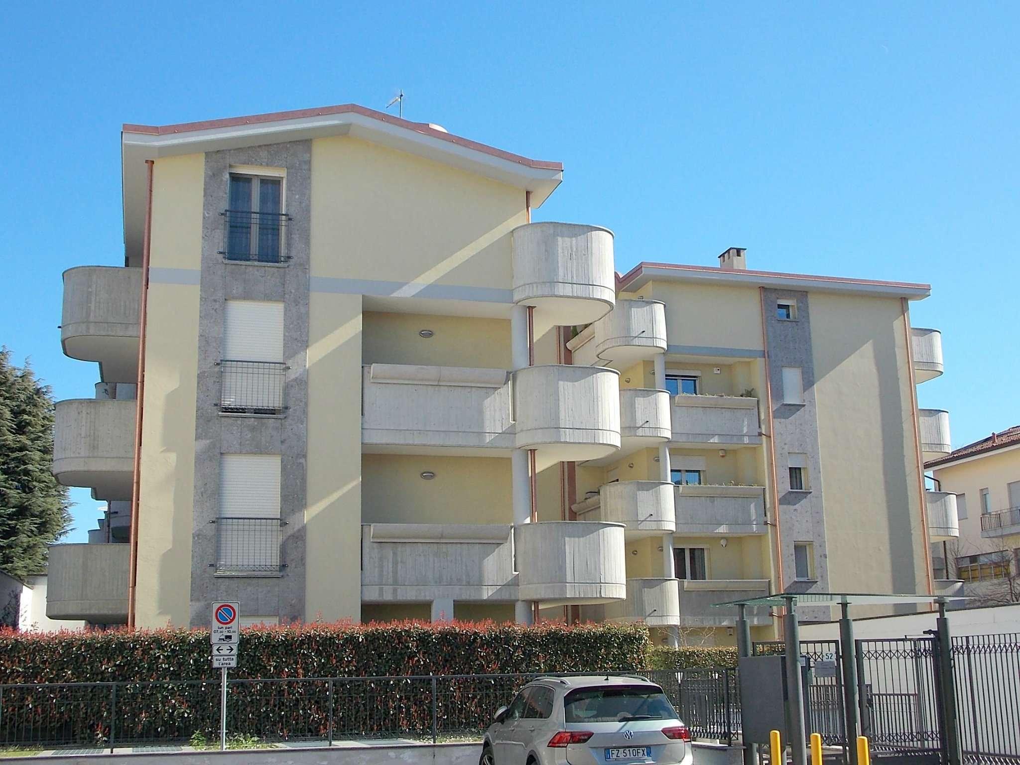 Appartamento in vendita a Lissone, 3 locali, prezzo € 225.000 | CambioCasa.it