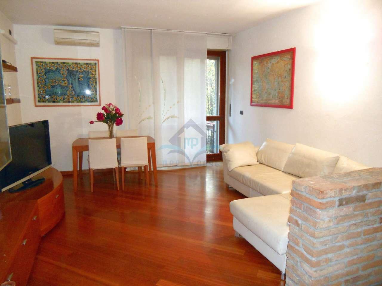 Appartamento in ottime condizioni arredato in affitto Rif. 8850540