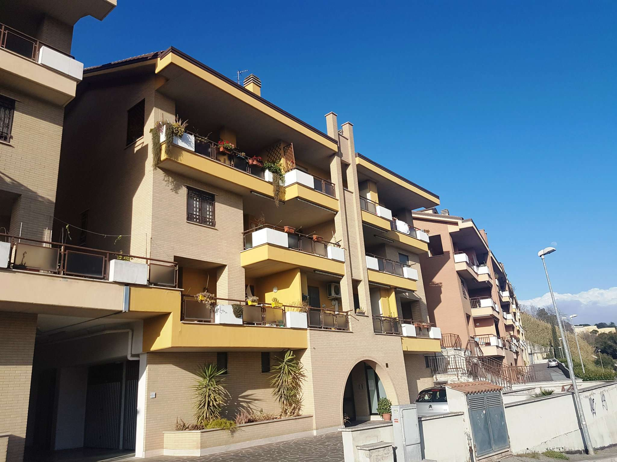 Appartamento in vendita a Monterotondo, 3 locali, prezzo € 159.000   CambioCasa.it