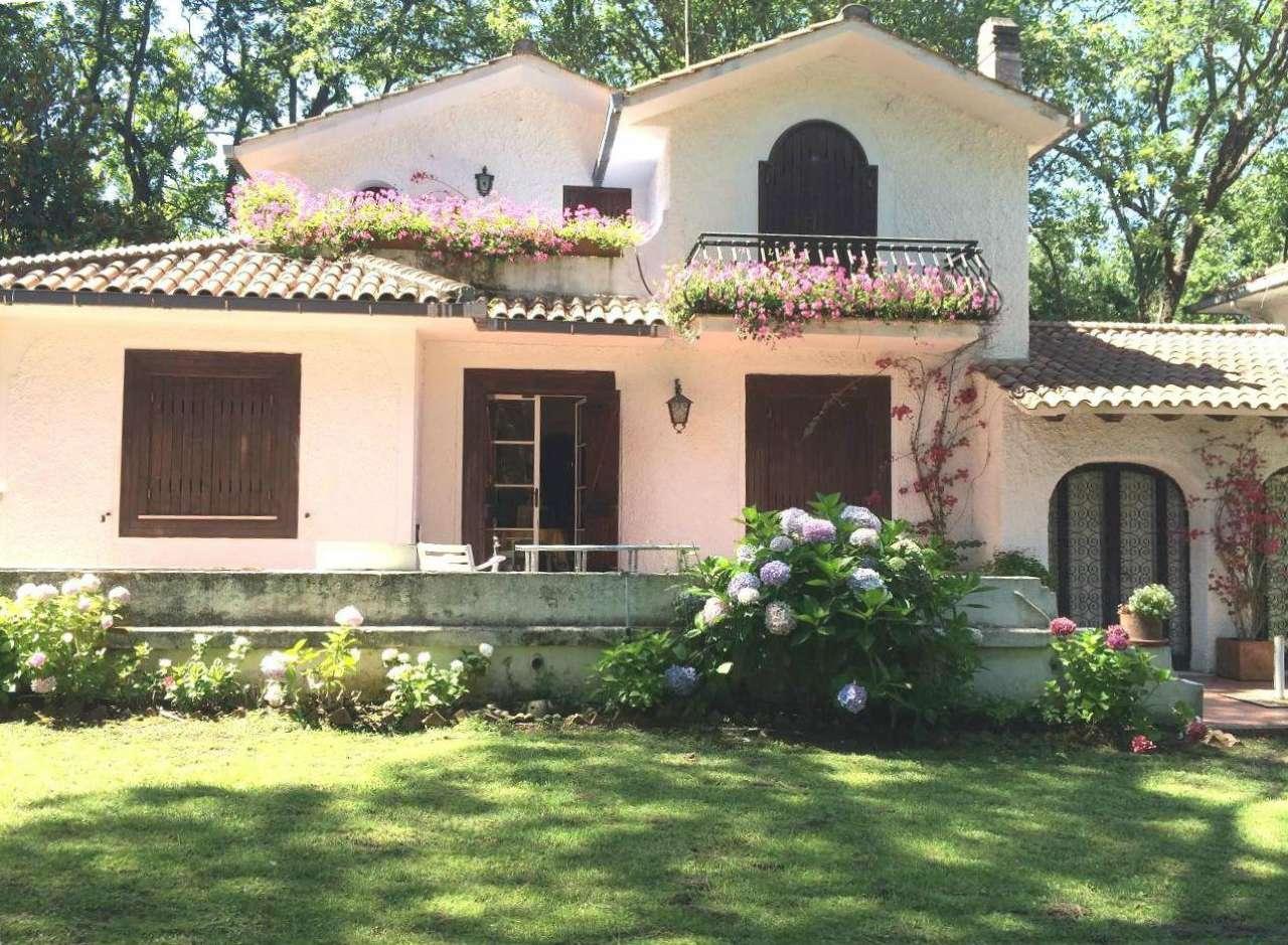 SABAUDIA CIRCEO VILLA bifamiliare bilivelli con giardino