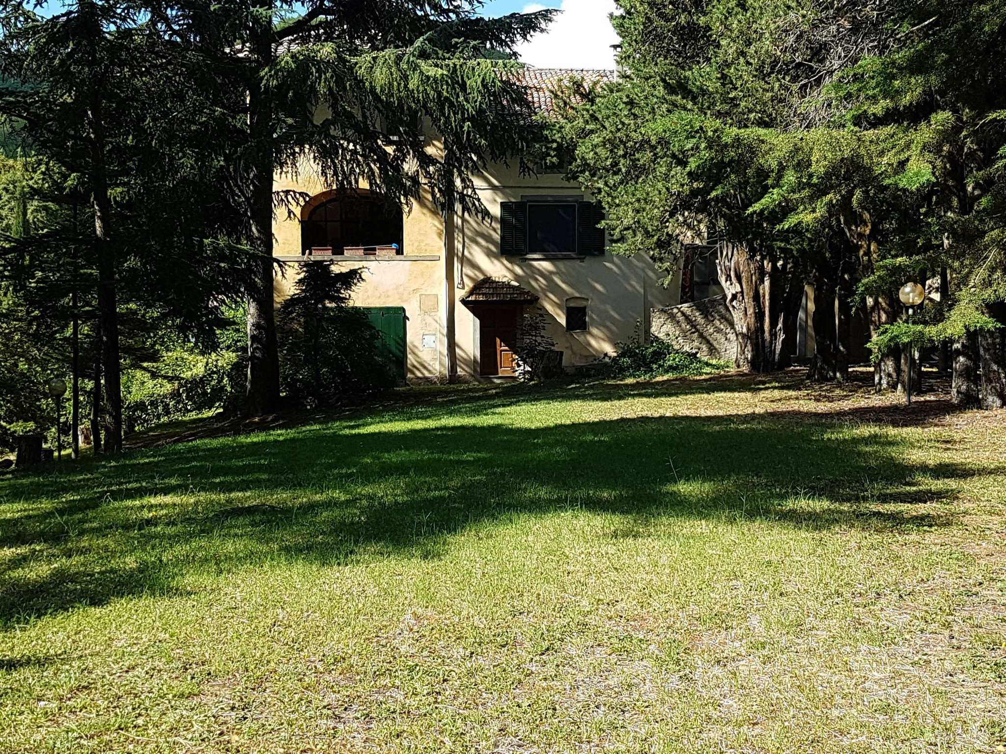 VILLA D'EPOCA, parco 35.000 mq, Montalcino ad.ze