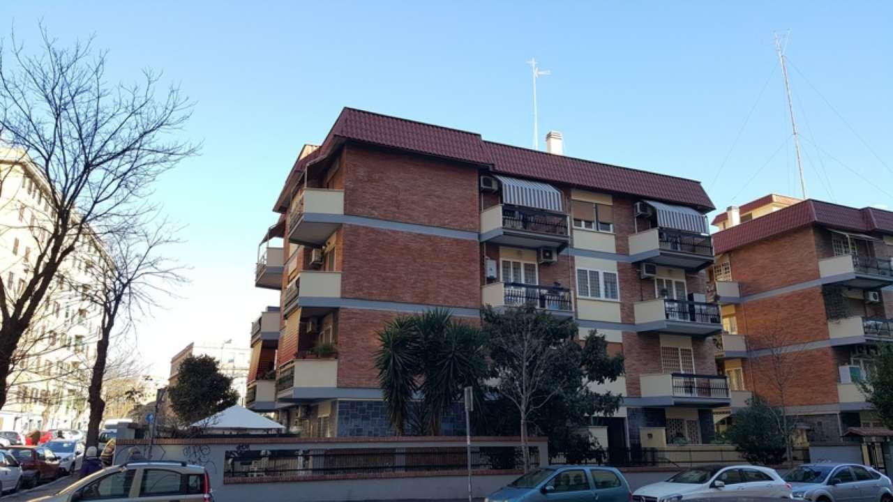 Appartamento in affitto a Roma, 2 locali, zona Zona: 16 . Appia nuova - Alberone - Colli Albani, prezzo € 870   CambioCasa.it