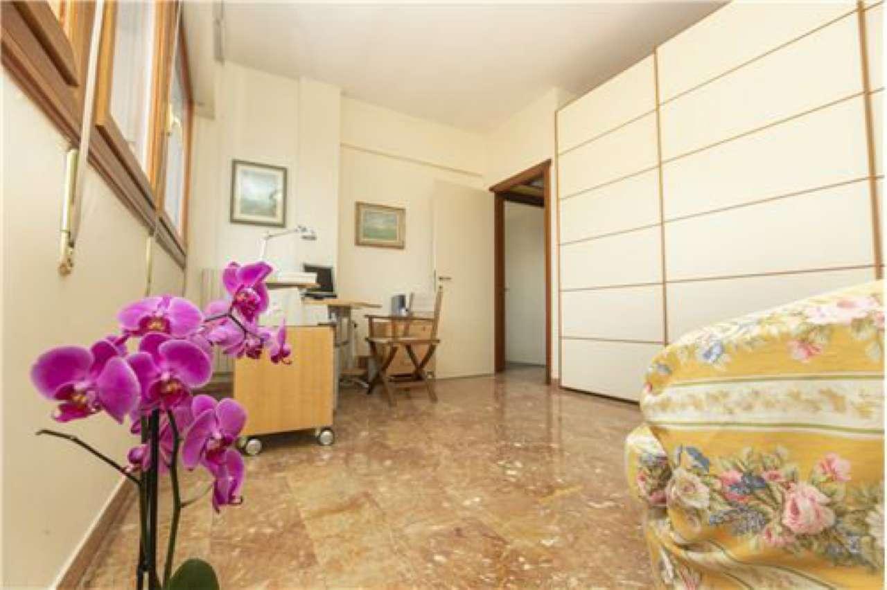 Rapallo centro: vendesi appartamento di 3 locali con box