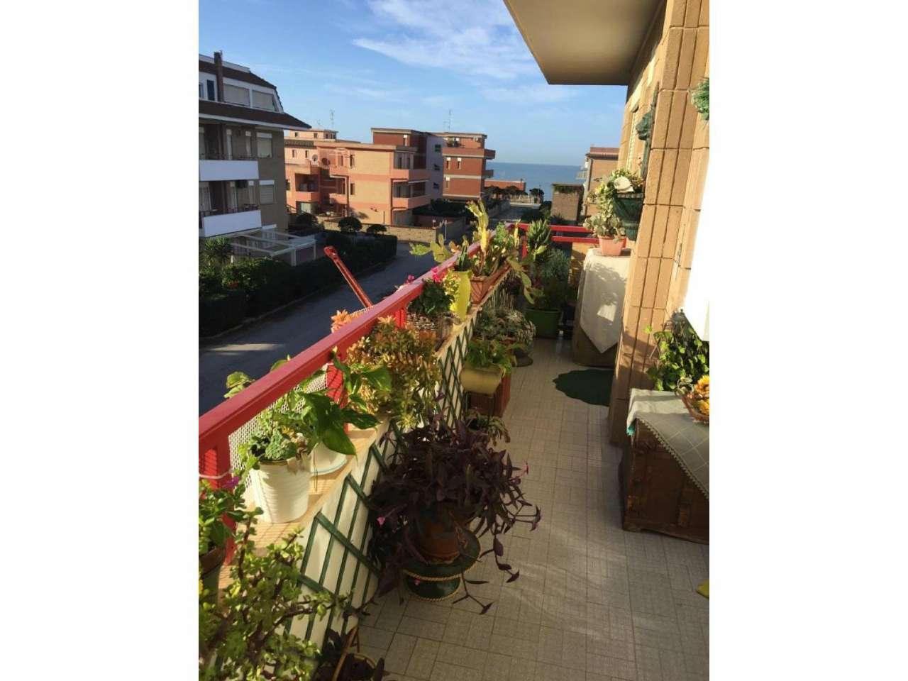 Appartamento in vendita a Ardea, 3 locali, prezzo € 95.000   CambioCasa.it