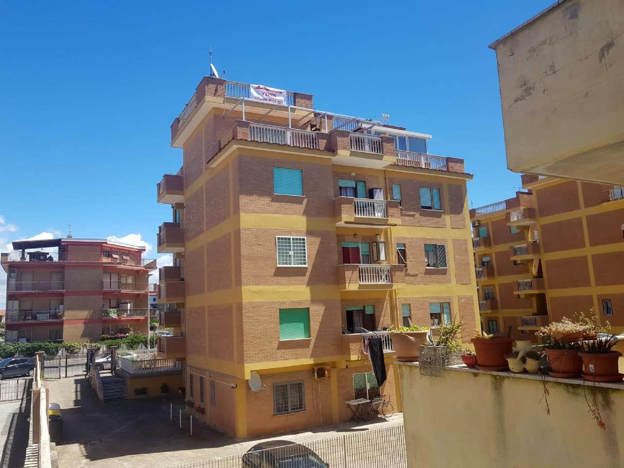 Attico / Mansarda in vendita a Pomezia, 4 locali, prezzo € 120.000   PortaleAgenzieImmobiliari.it