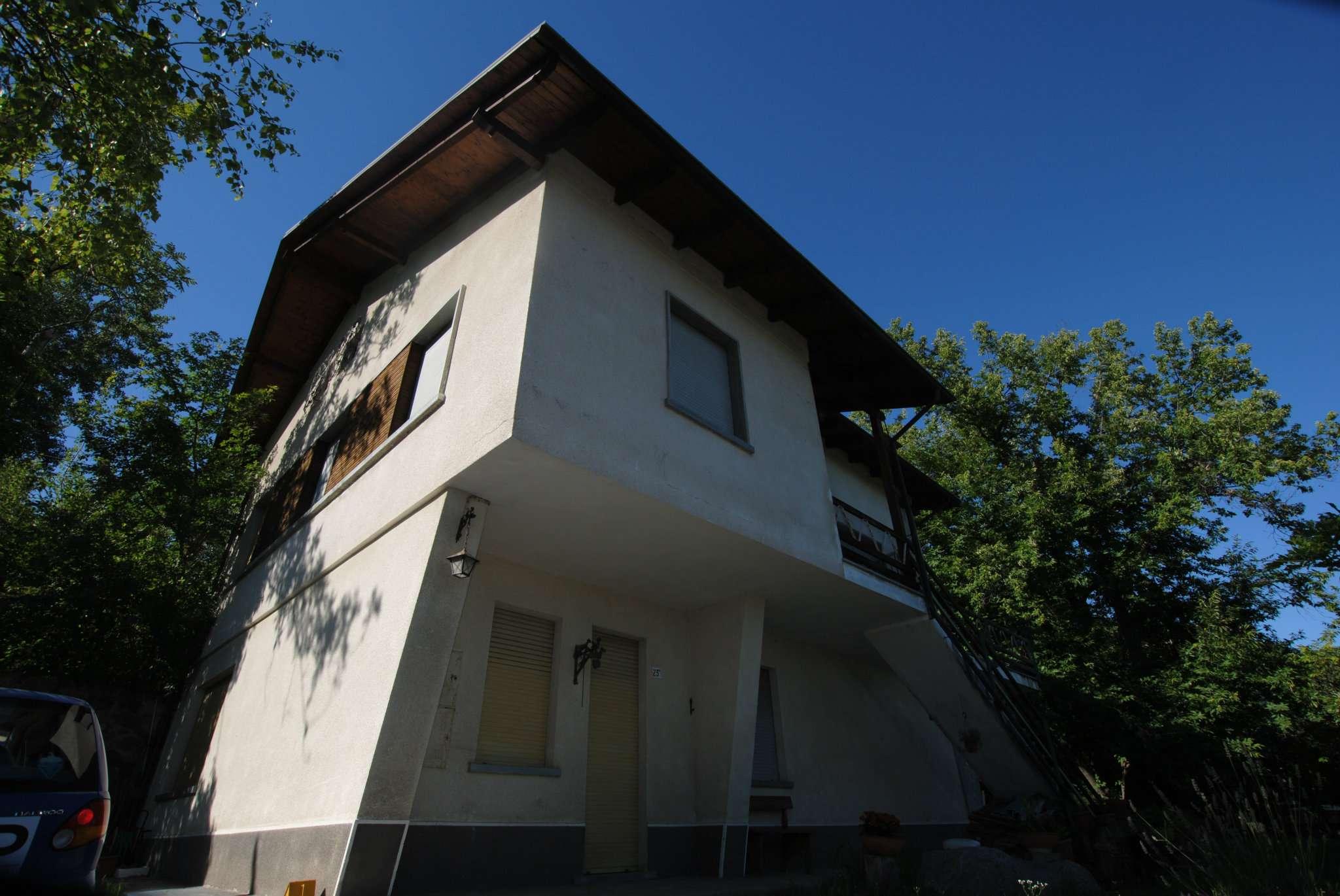 Appartamento in vendita a Rubiana, 4 locali, prezzo € 100.000 | CambioCasa.it
