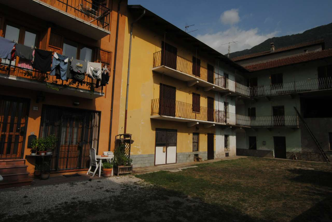 Porzione di casa in discrete condizioni in vendita Rif. 5258974