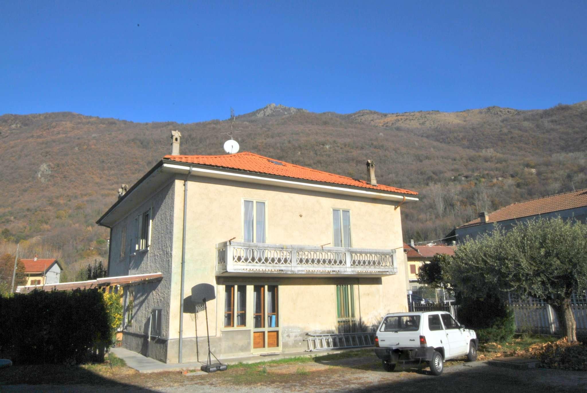 Soluzione Indipendente in vendita a Caprie, 8 locali, prezzo € 185.000 | CambioCasa.it