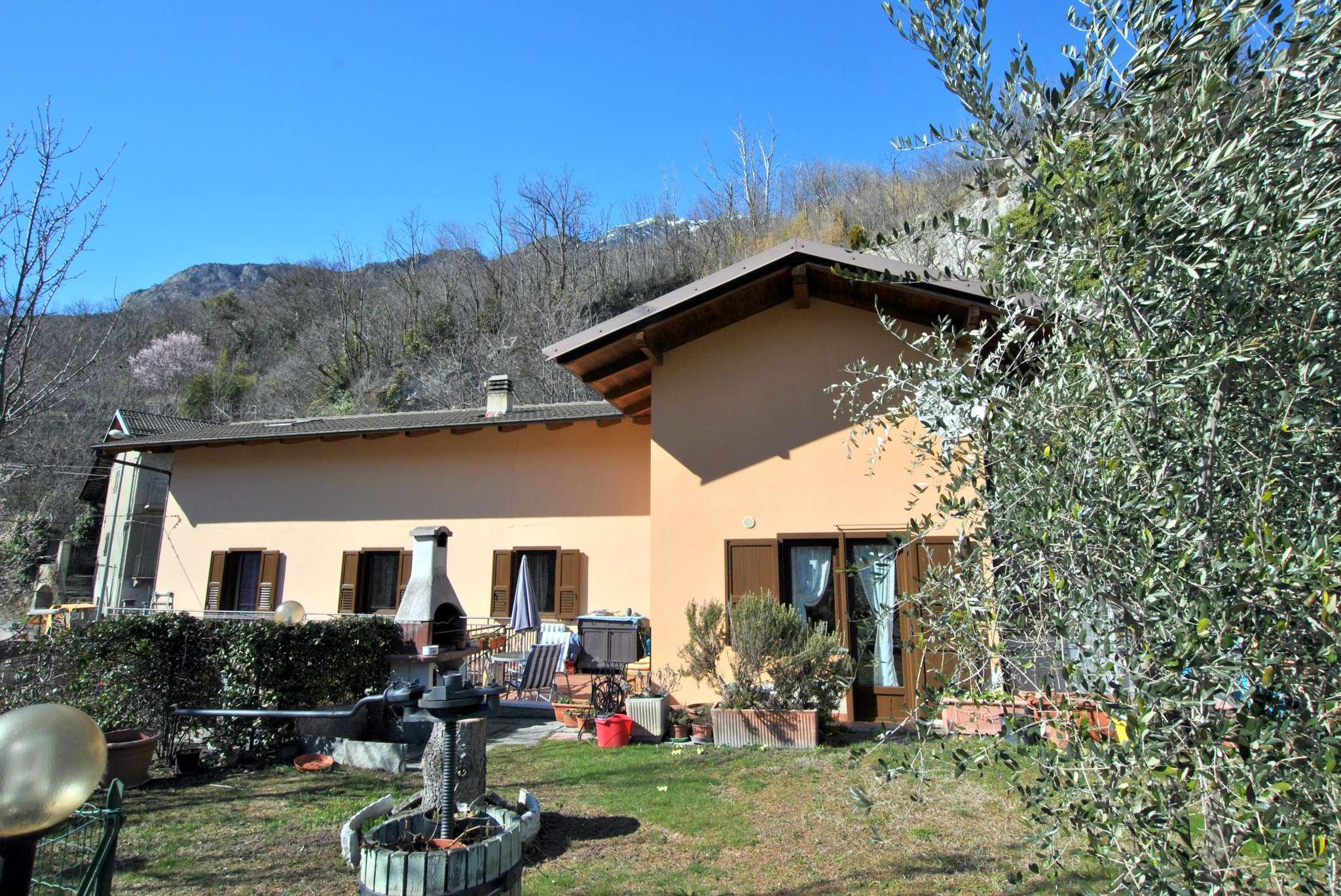 Soluzione Indipendente in vendita a Bussoleno, 8 locali, prezzo € 185.000 | CambioCasa.it