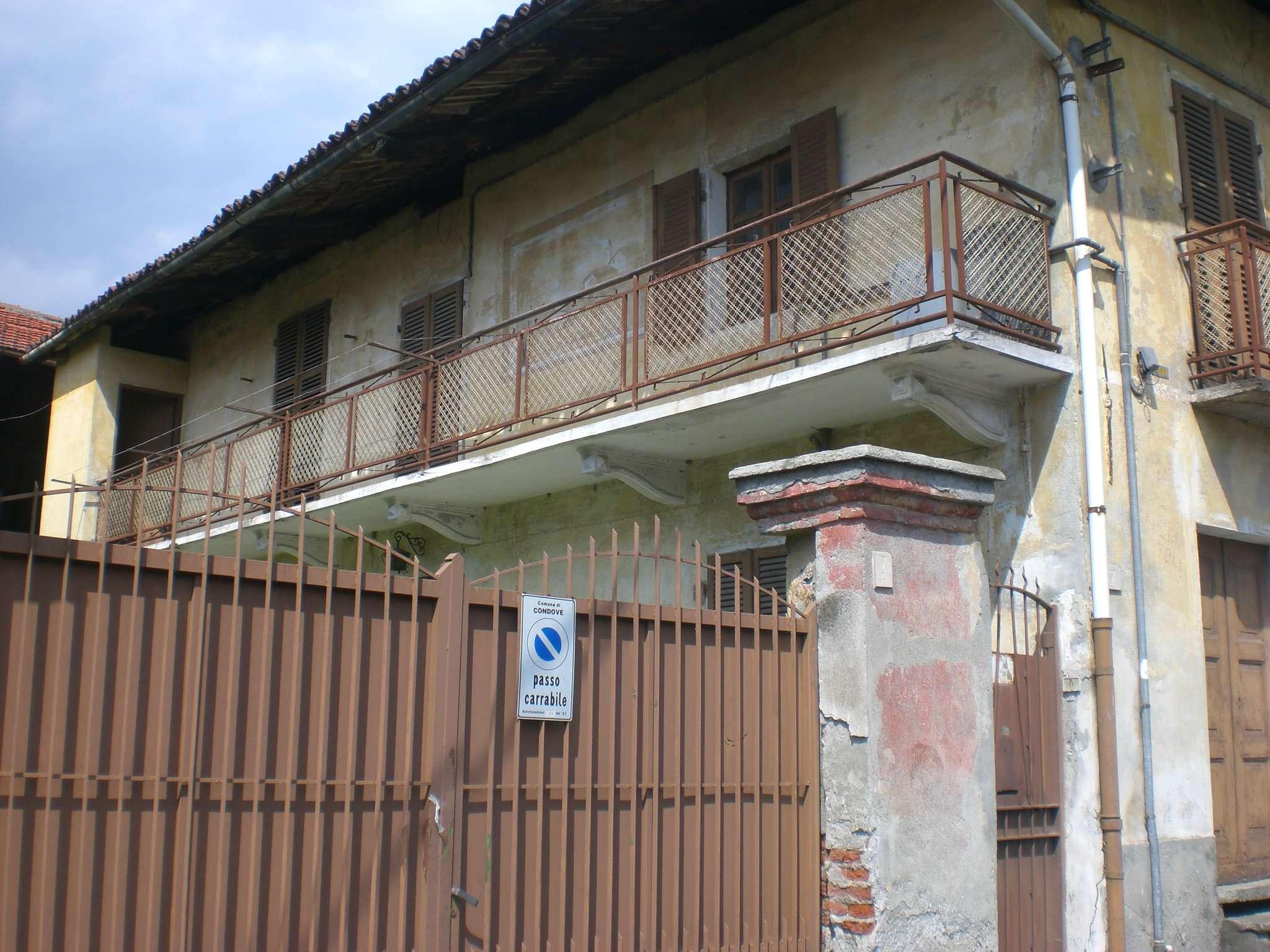 Soluzione Indipendente in vendita a Condove, 10 locali, prezzo € 215.000 | CambioCasa.it