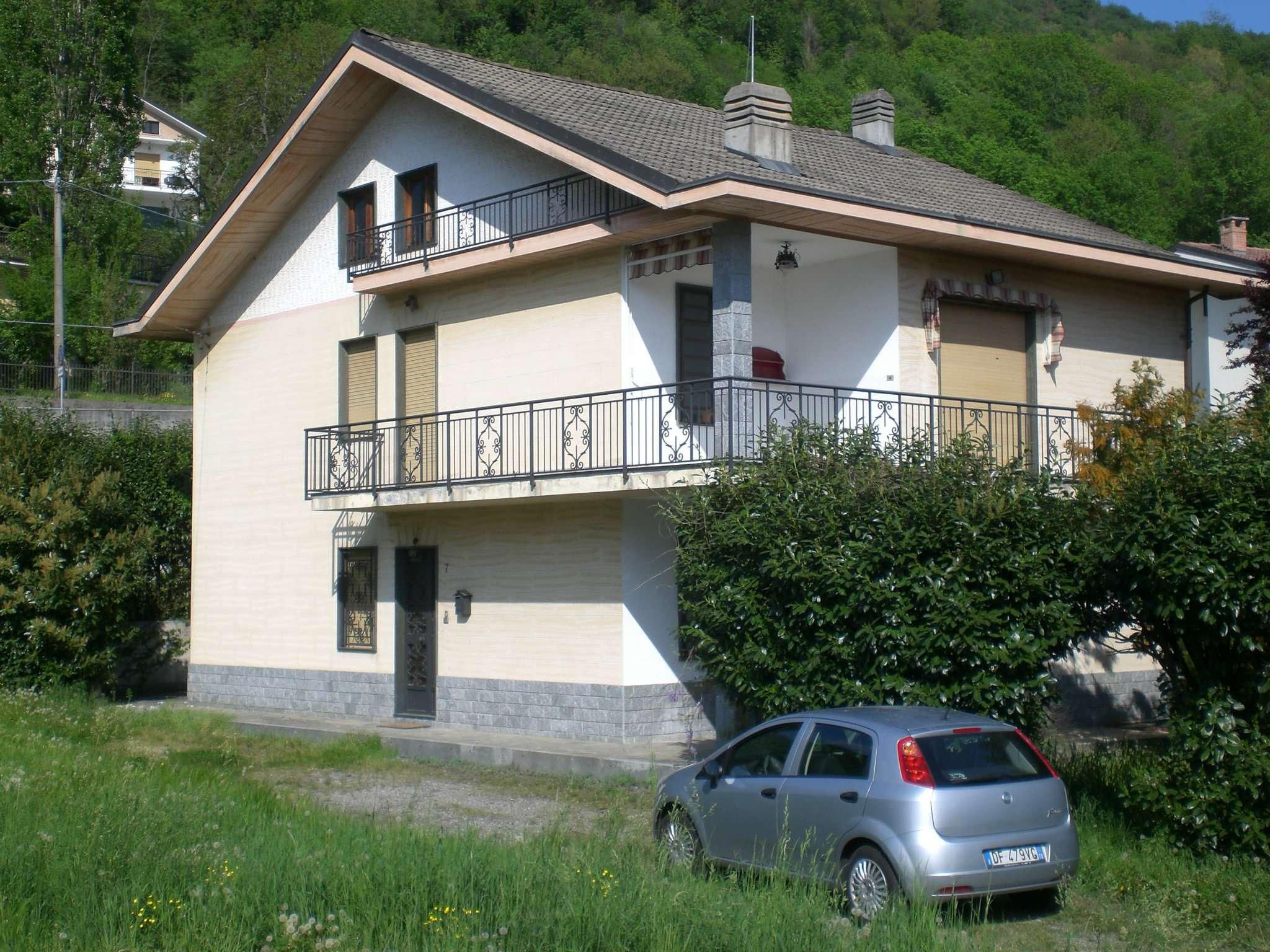 Soluzione Semindipendente in vendita a Caprie, 10 locali, prezzo € 195.000 | CambioCasa.it