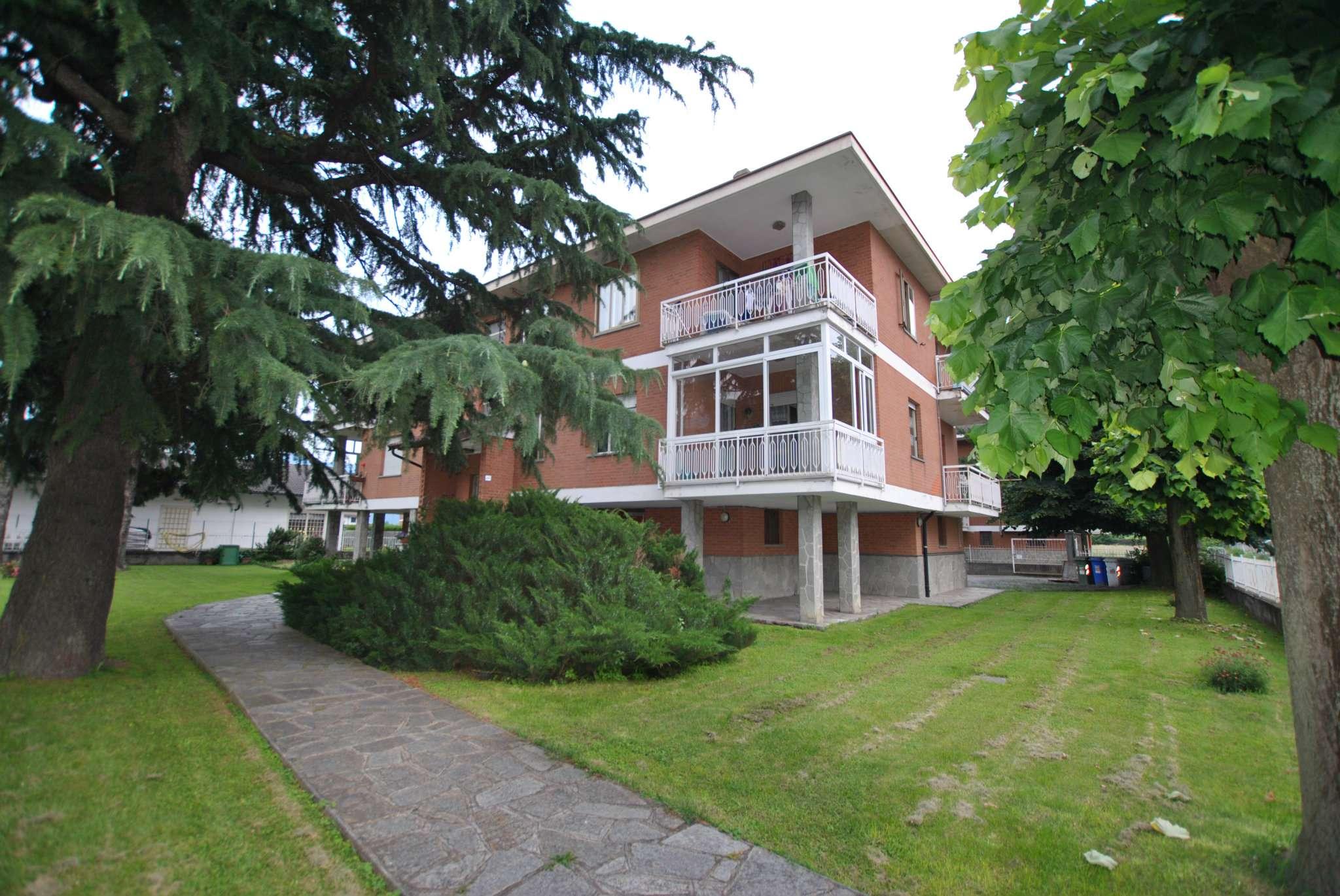Appartamento in buone condizioni arredato in affitto Rif. 7018997