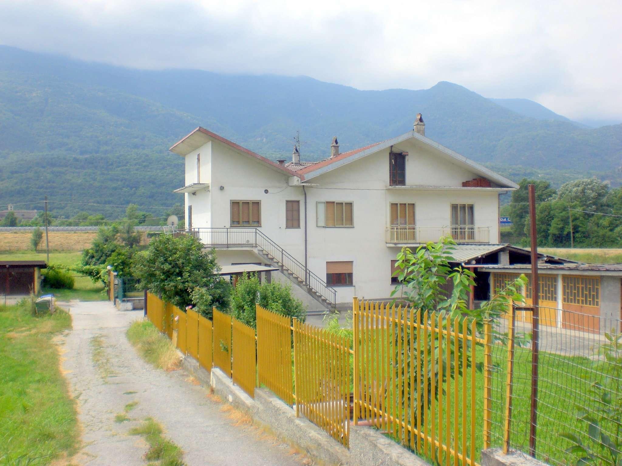 Appartamento in vendita a Chianocco, 5 locali, prezzo € 82.000 | CambioCasa.it