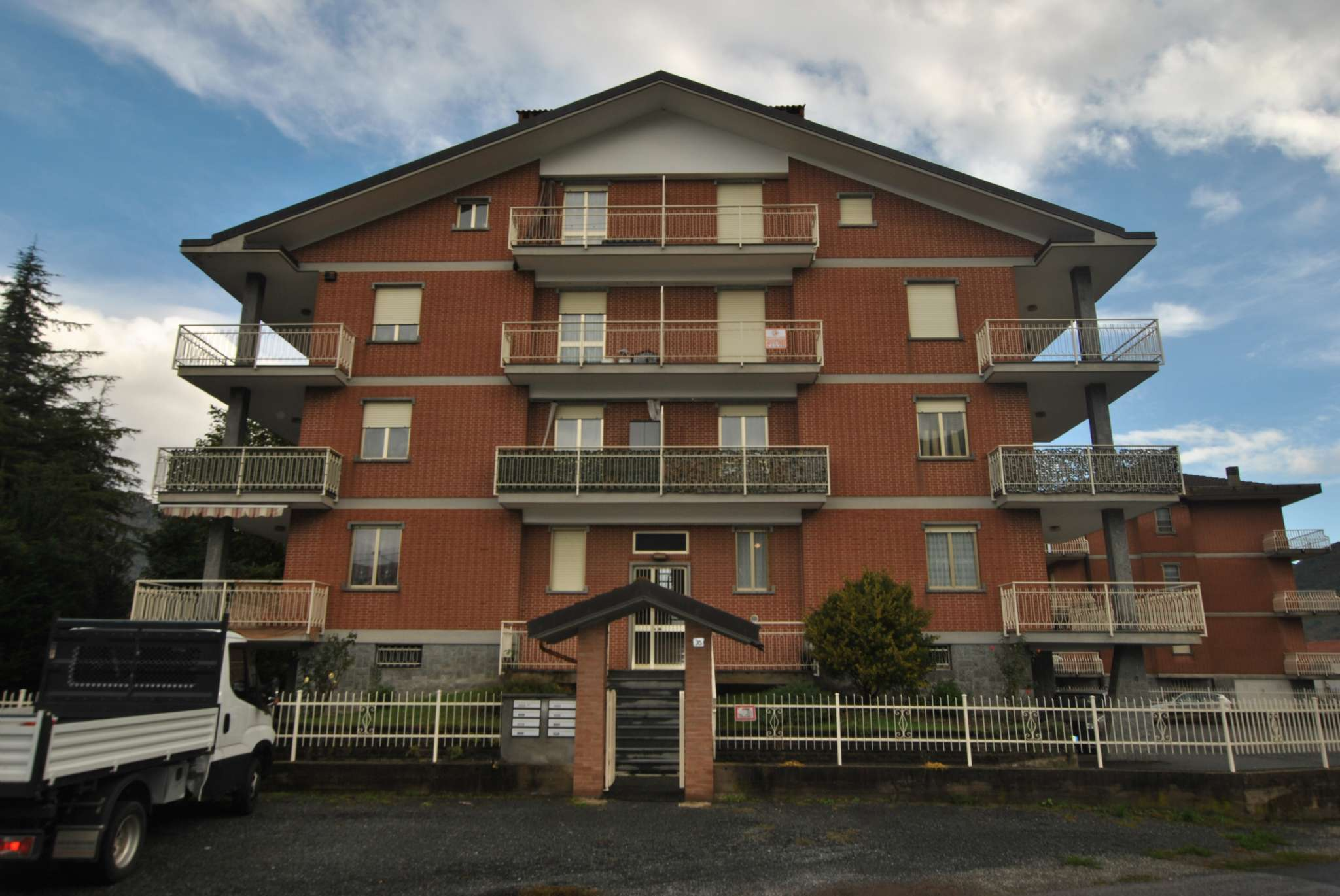 Appartamento ristrutturato in affitto Rif. 8495353