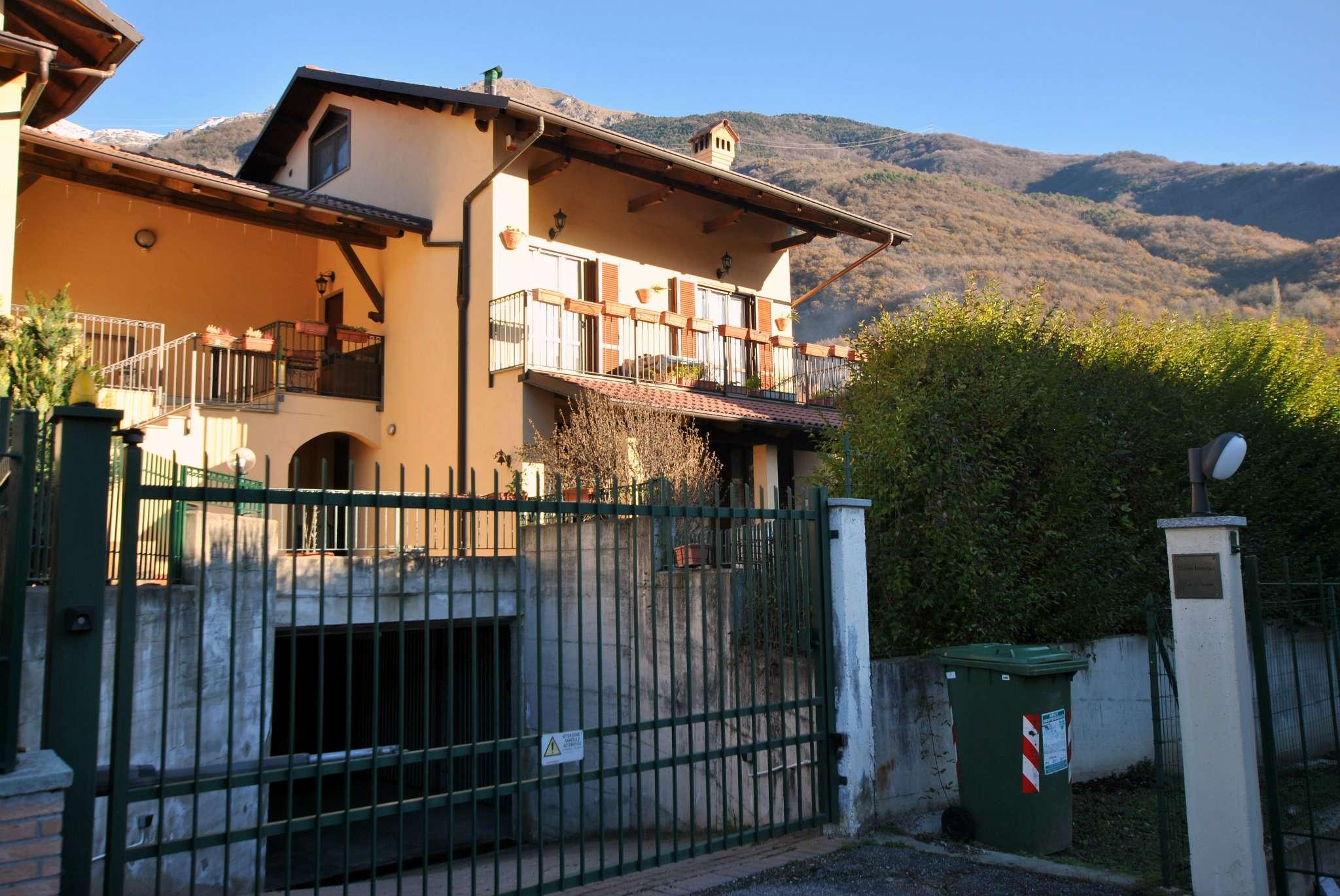 Appartamento in buone condizioni in vendita Rif. 8850570