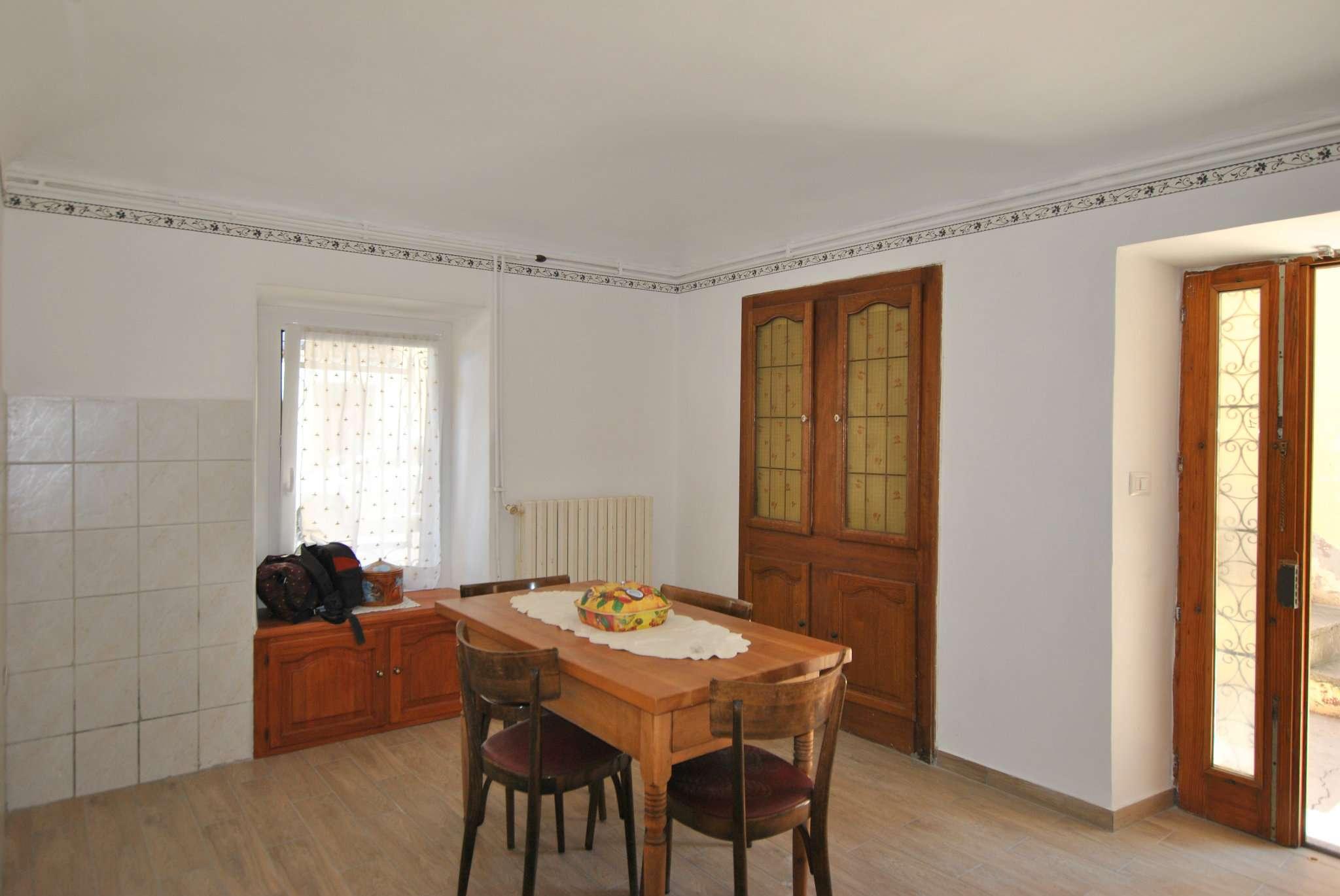 Appartamento in vendita a Vaie, 4 locali, prezzo € 45.000 | CambioCasa.it