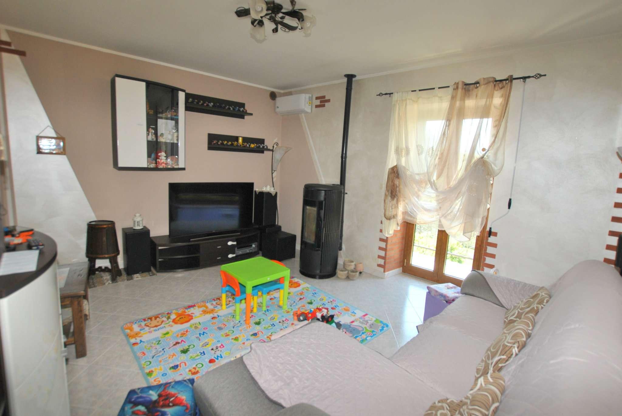 Appartamento in vendita a Borgone Susa, 4 locali, prezzo € 115.000 | CambioCasa.it