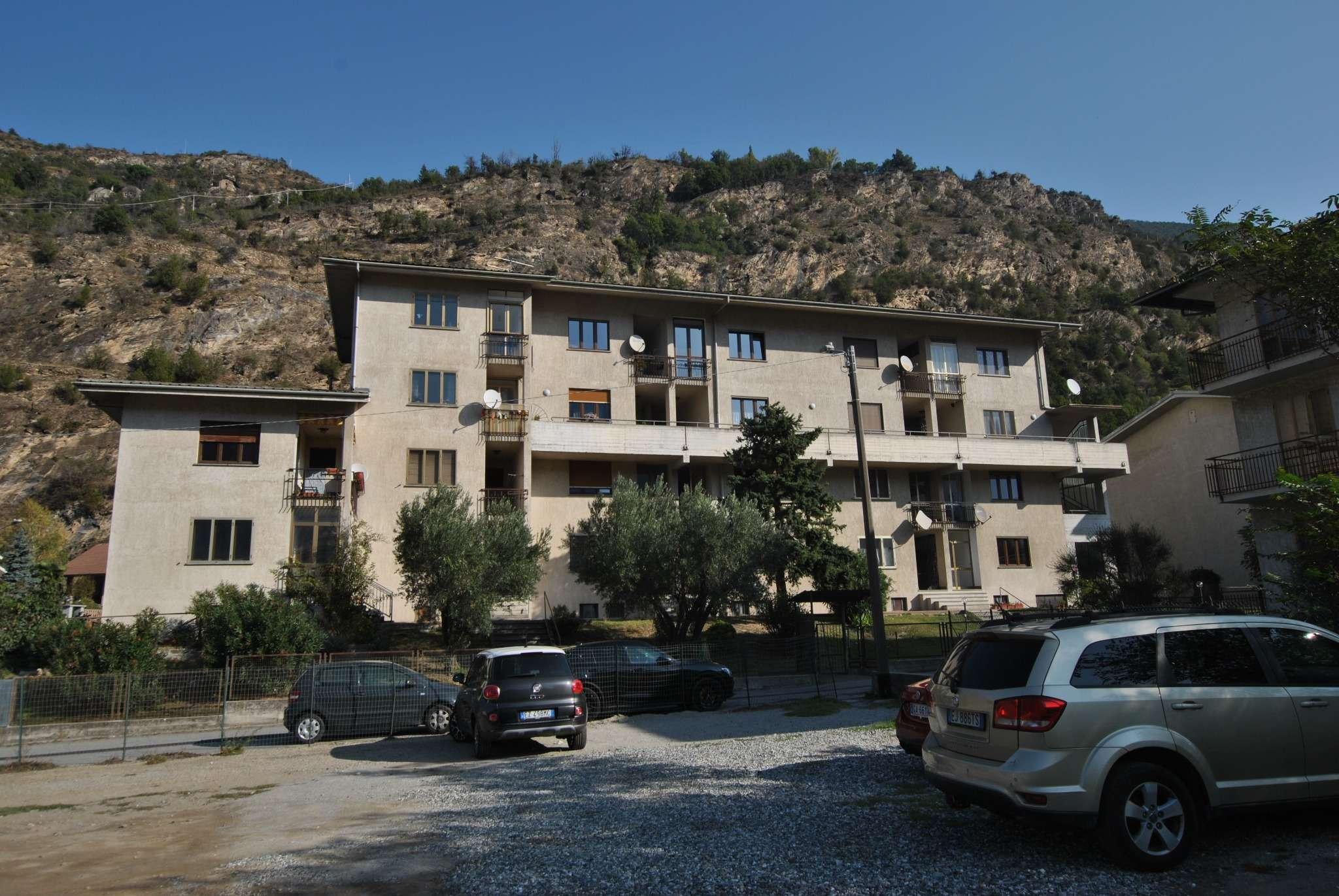 Appartamento in vendita a Susa, 5 locali, prezzo € 140.000 | CambioCasa.it