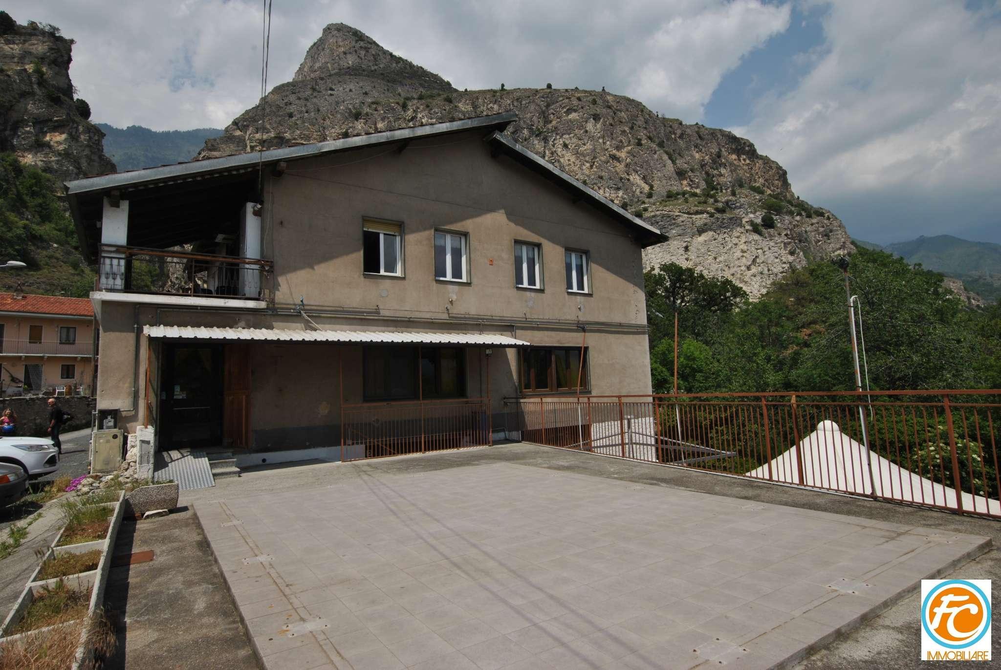 Immobile Commerciale in vendita a Bussoleno, 2 locali, prezzo € 155.000 | CambioCasa.it