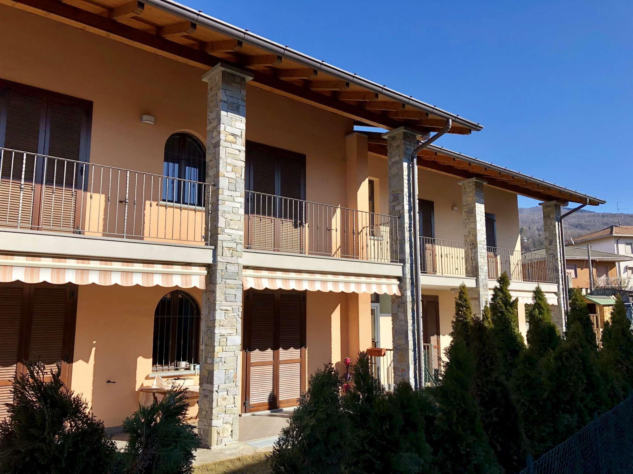 Appartamento in vendita a Cocquio-Trevisago, 3 locali, prezzo € 190.000 | CambioCasa.it