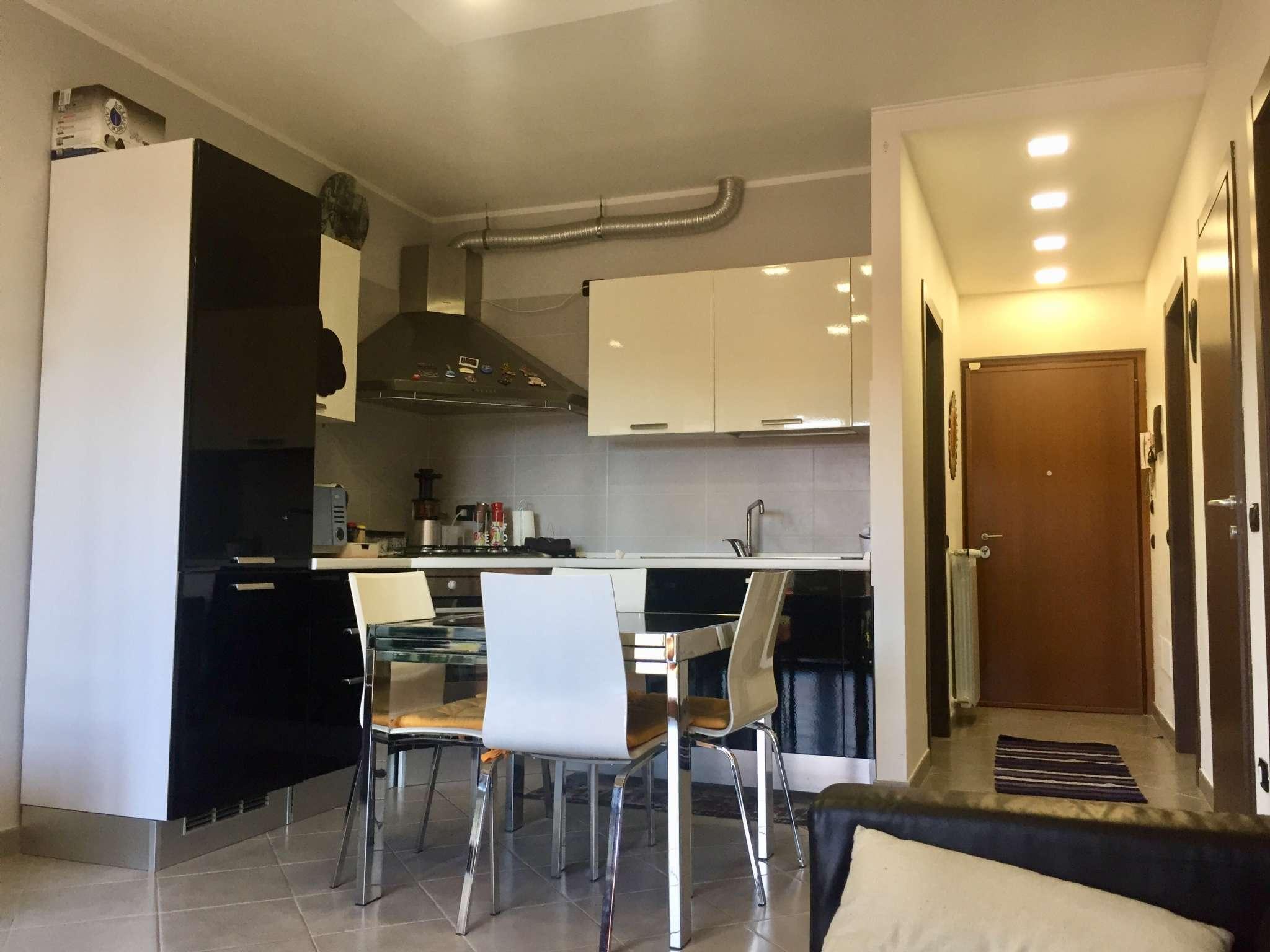Appartamento in vendita a Cocquio-Trevisago, 3 locali, prezzo € 150.000 | CambioCasa.it