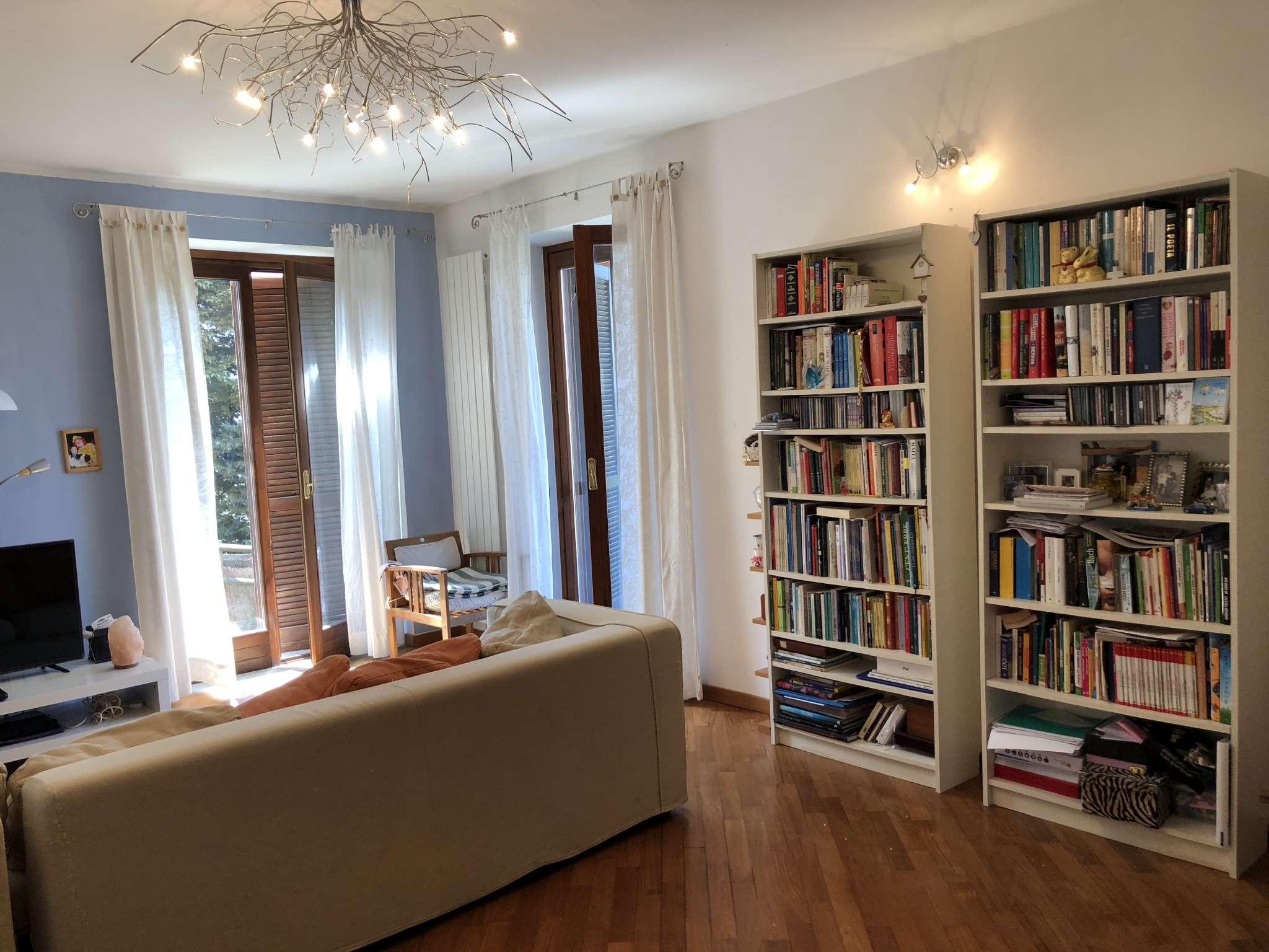 Appartamento in vendita a Gemonio, 3 locali, prezzo € 128.000 | CambioCasa.it