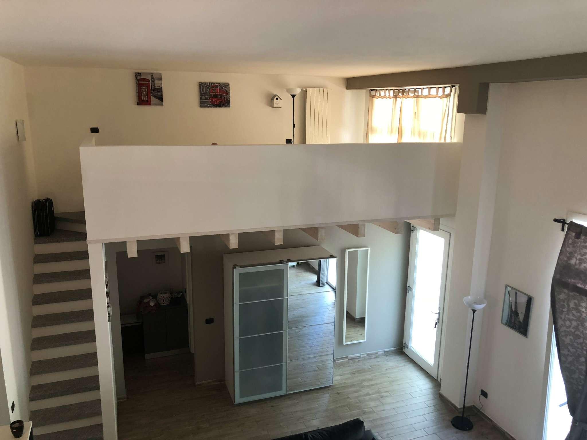 Appartamento in vendita a Gavirate, 3 locali, prezzo € 158.000 | CambioCasa.it