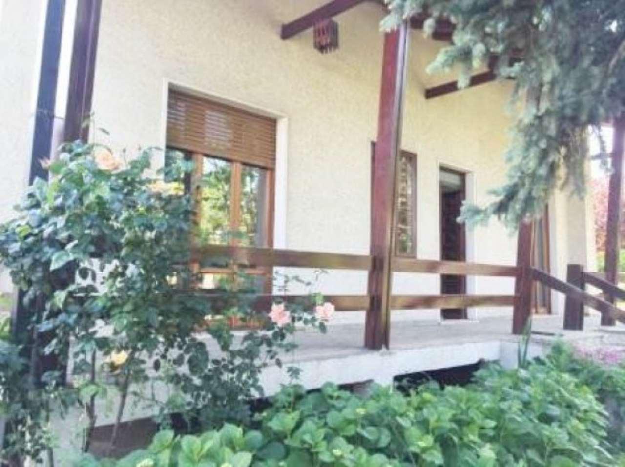 Villa in vendita a Gerenzano, 6 locali, prezzo € 250.000 | CambioCasa.it