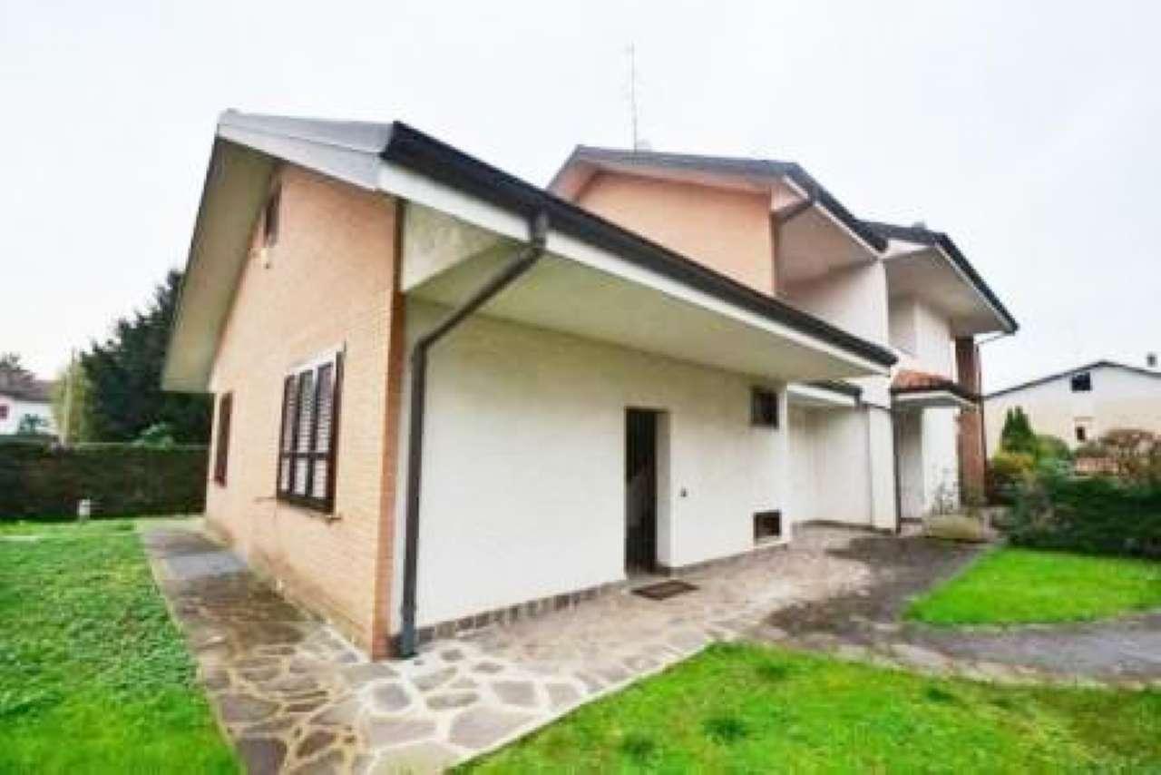 Villa Bifamiliare in vendita a Gerenzano, 4 locali, prezzo € 295.000 | CambioCasa.it