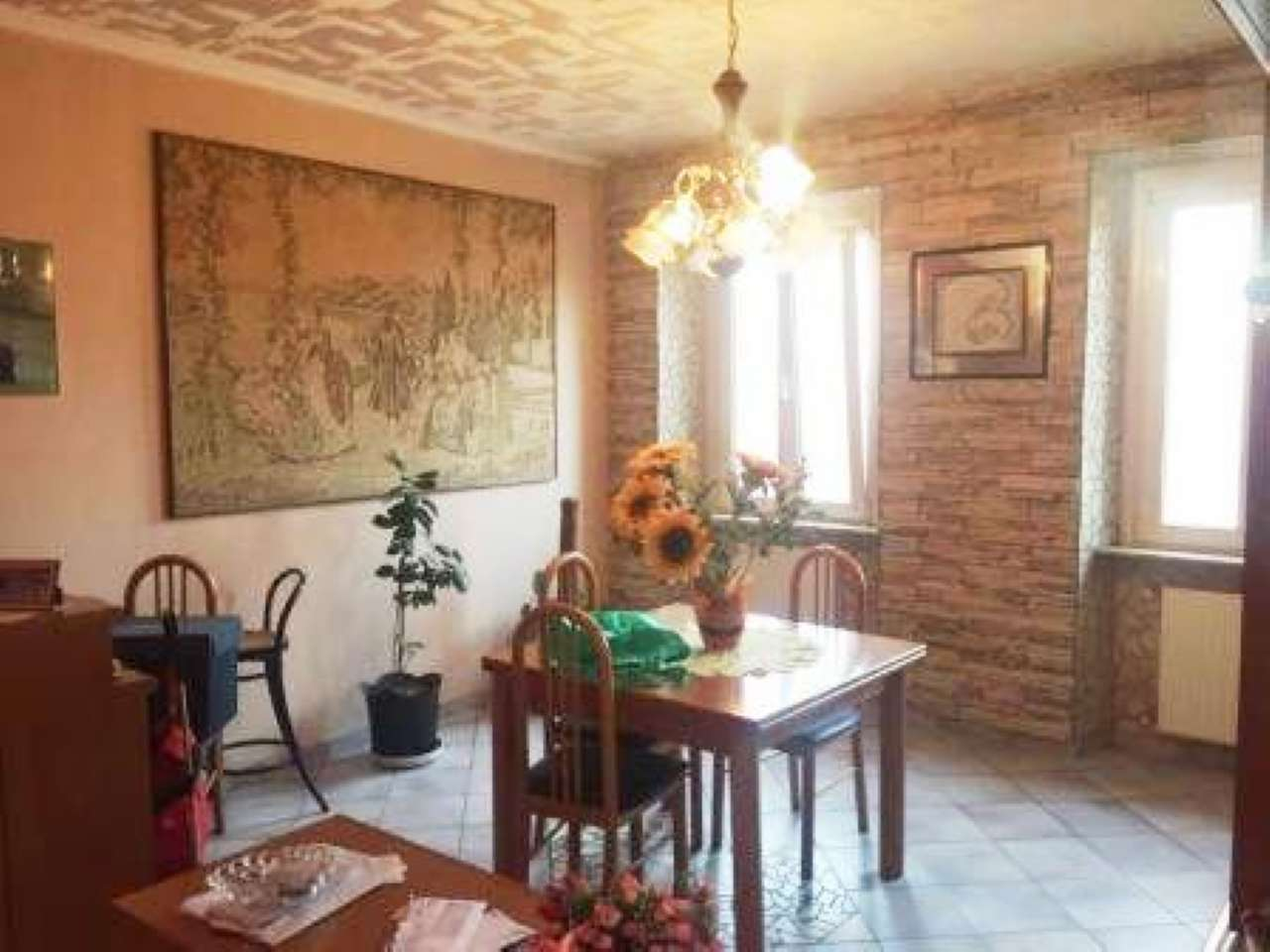 Appartamento in vendita a Rovellasca, 4 locali, prezzo € 137.000 | CambioCasa.it