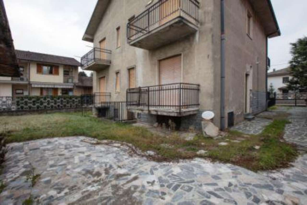 Villa in vendita a Gerenzano, 10 locali, prezzo € 260.000 | CambioCasa.it