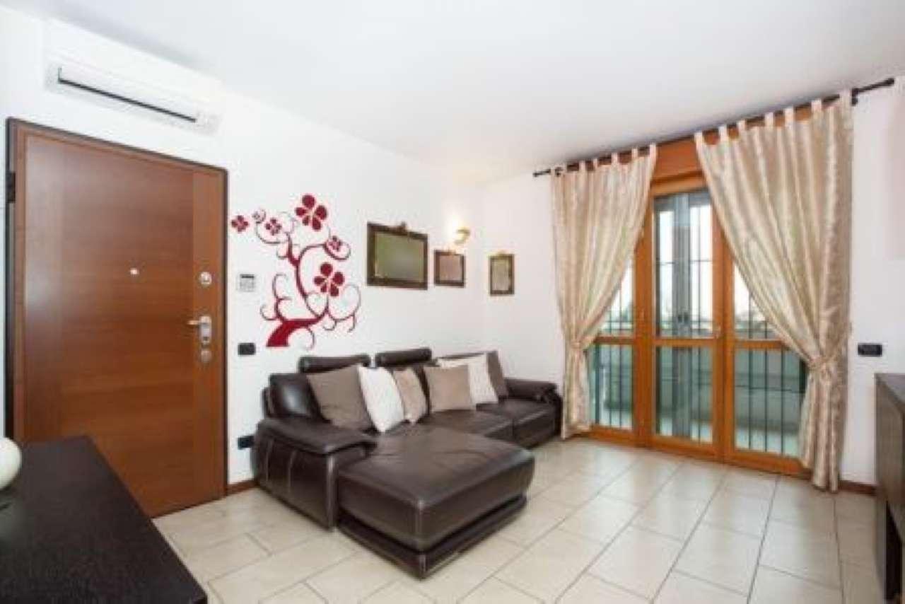 Appartamento in vendita a Gerenzano, 3 locali, prezzo € 155.000 | CambioCasa.it