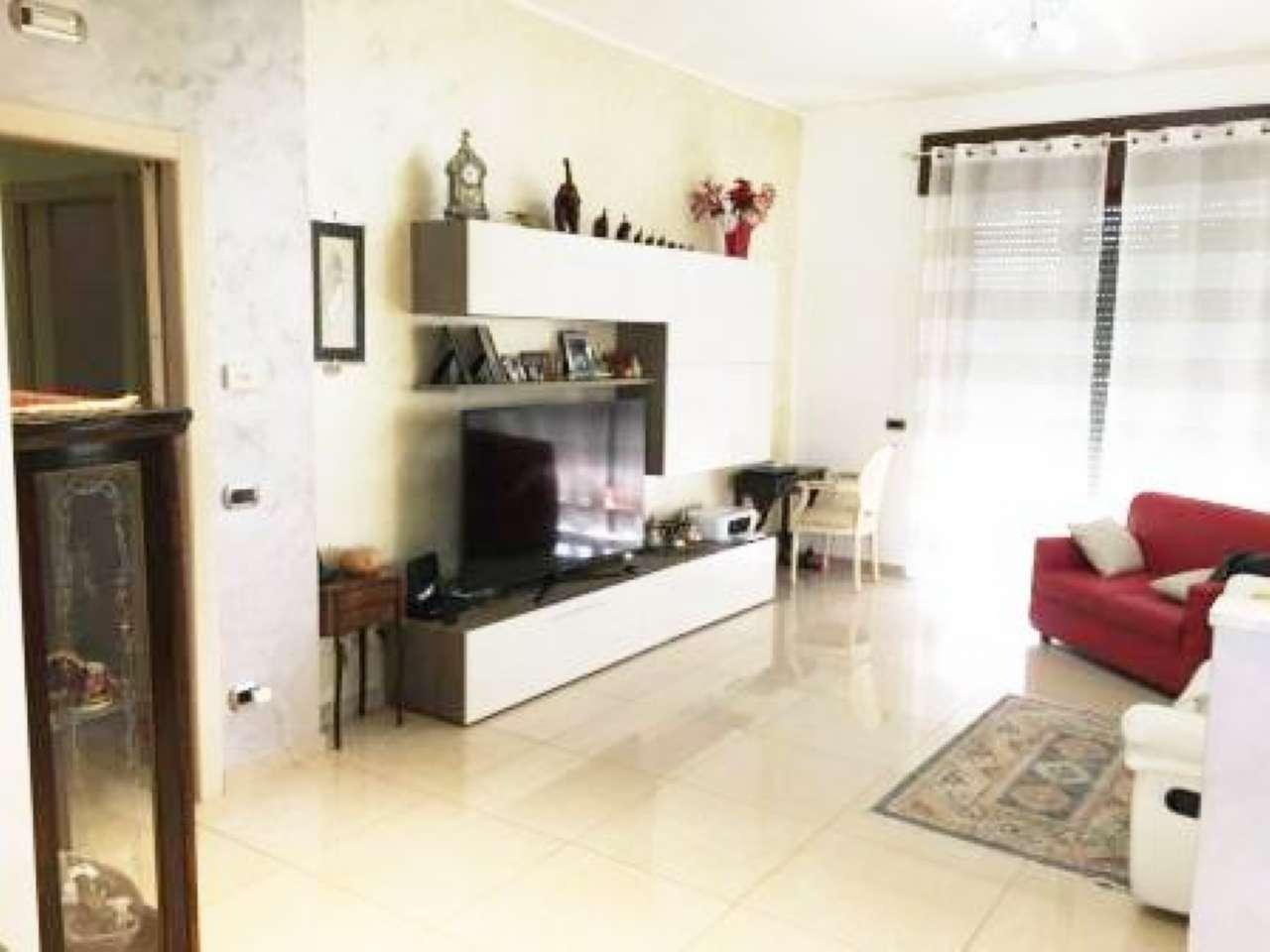 Villa in vendita a Gerenzano, 3 locali, prezzo € 430.000 | CambioCasa.it
