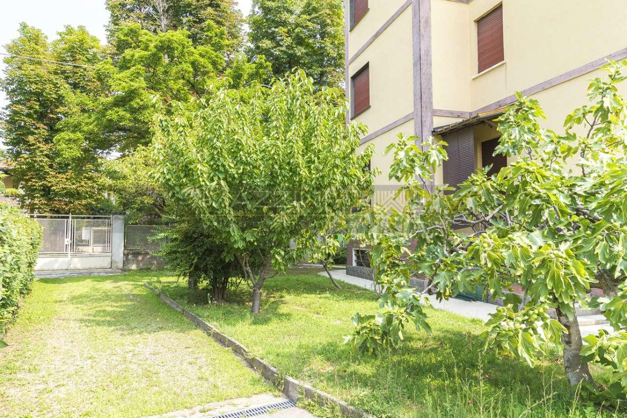 Appartamento in buone condizioni in vendita Rif. 7349996