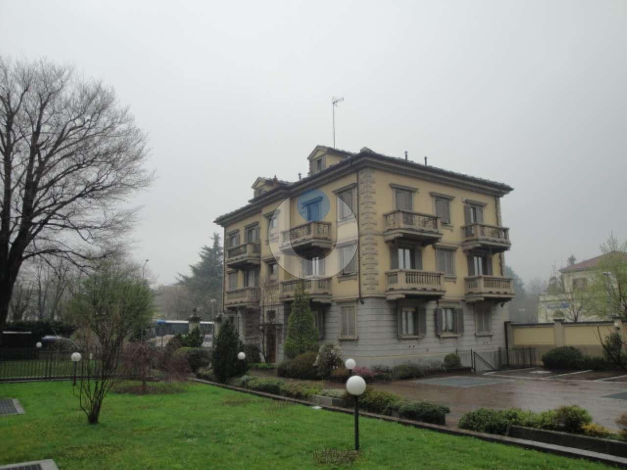 Appartamento in ottime condizioni in affitto Rif. 9078242