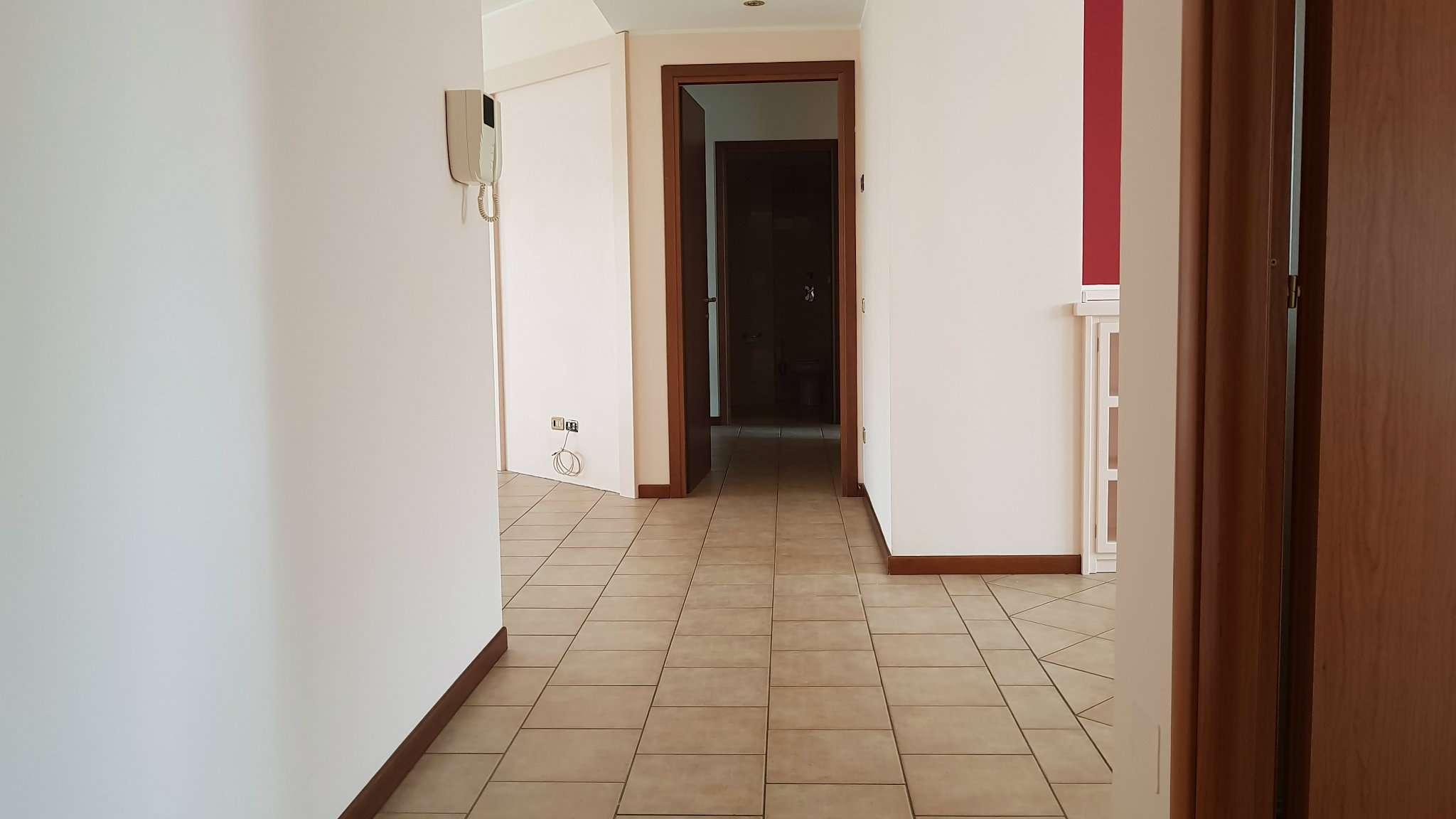 Trilocale in affitto a Vanzago